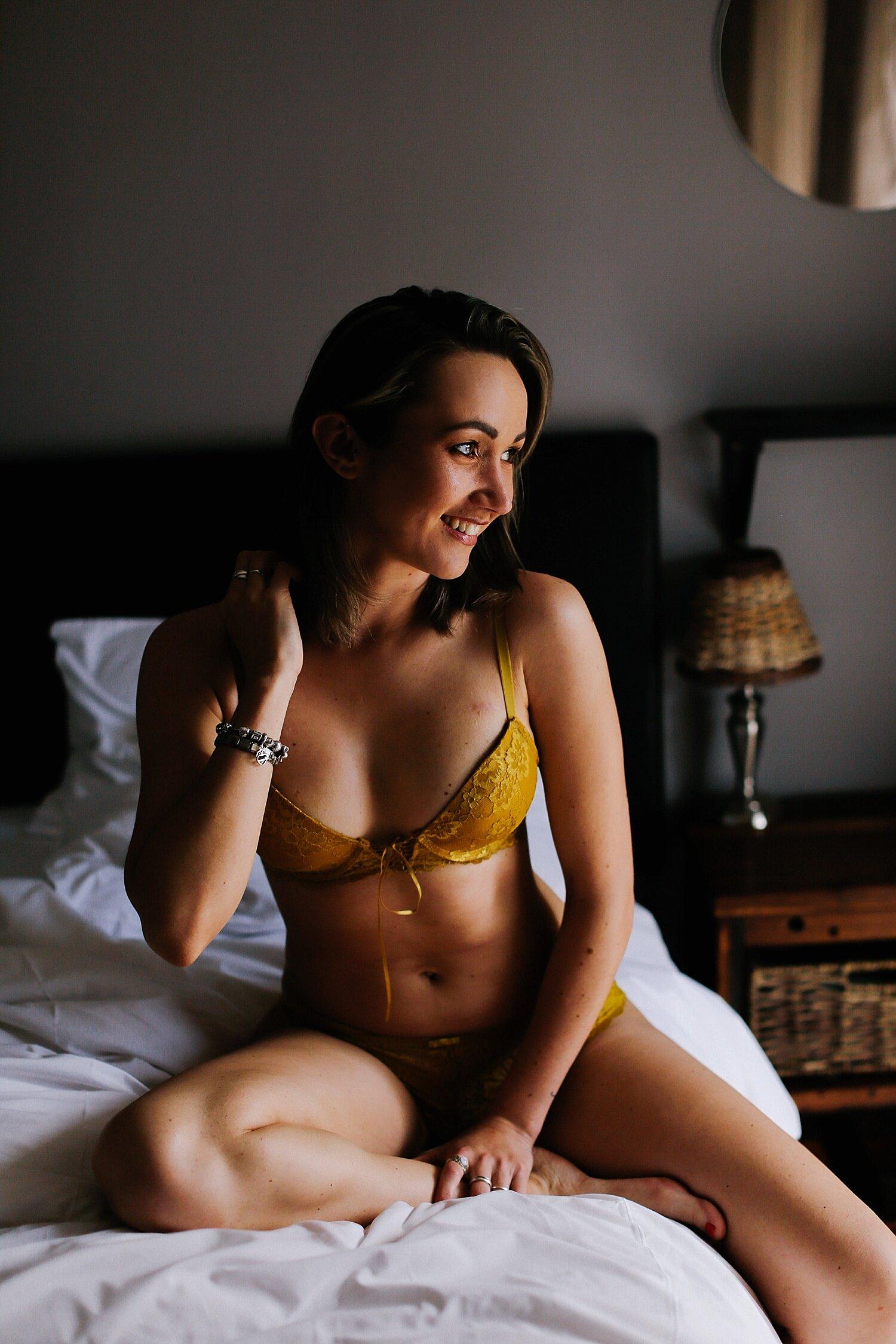 boudoir__maternity_lingerie_fitness_0011.jpg