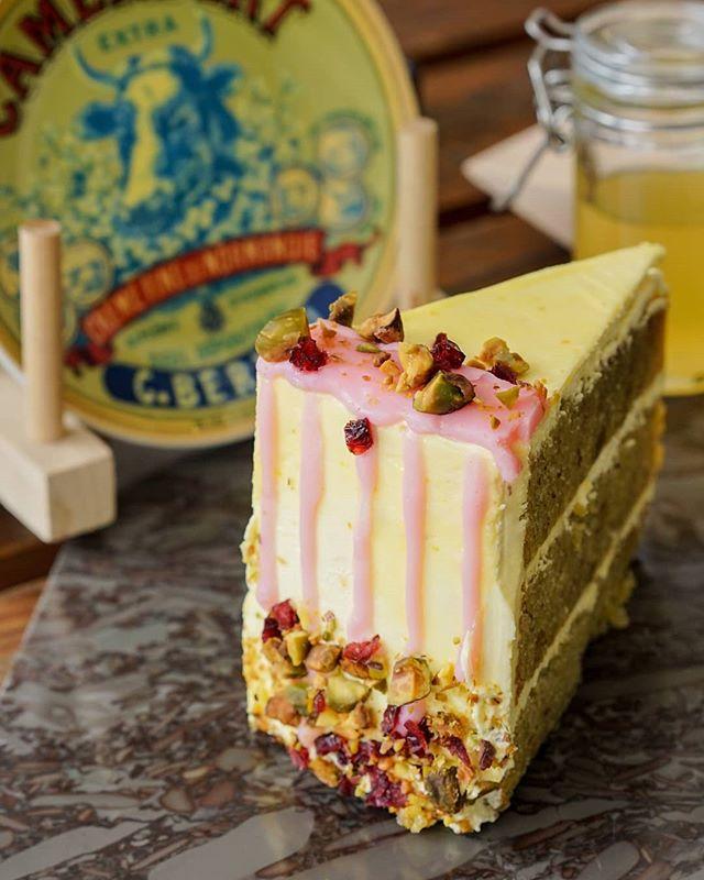 Pistachio Cake? For today? Yes please ! . People are wild for this Cake and honestly, we are too. Cannot blame it cause it is that good. . #monksroaster #monkscoffee #monkscoffeeroasters #monkscoffeeshop #kulinermedan #dessertmedan #kopimedan #medantalk #medan #medanolshop #cafemedan #medanhits #snackmedan #jajananmedan