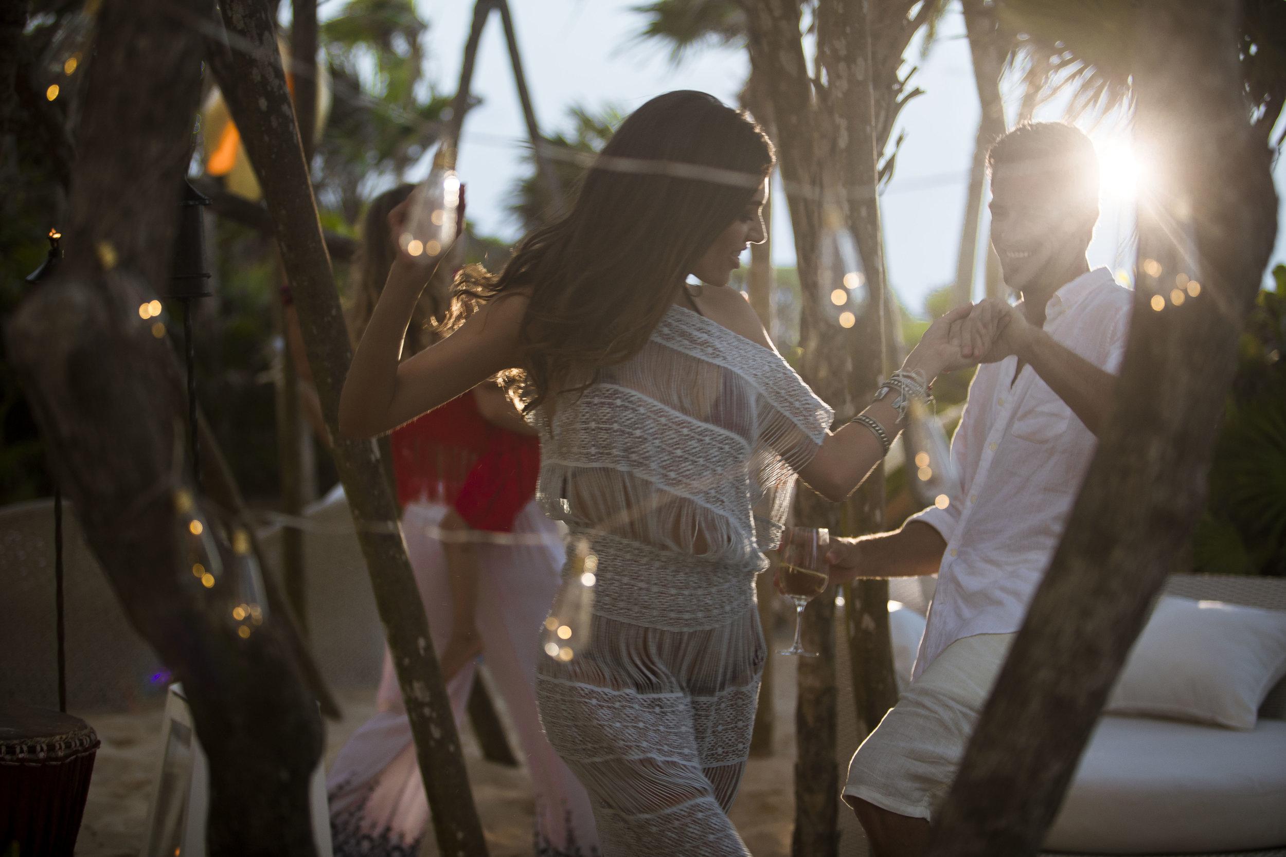 VID_RM_Beach_Party_Couple_Dance.jpg
