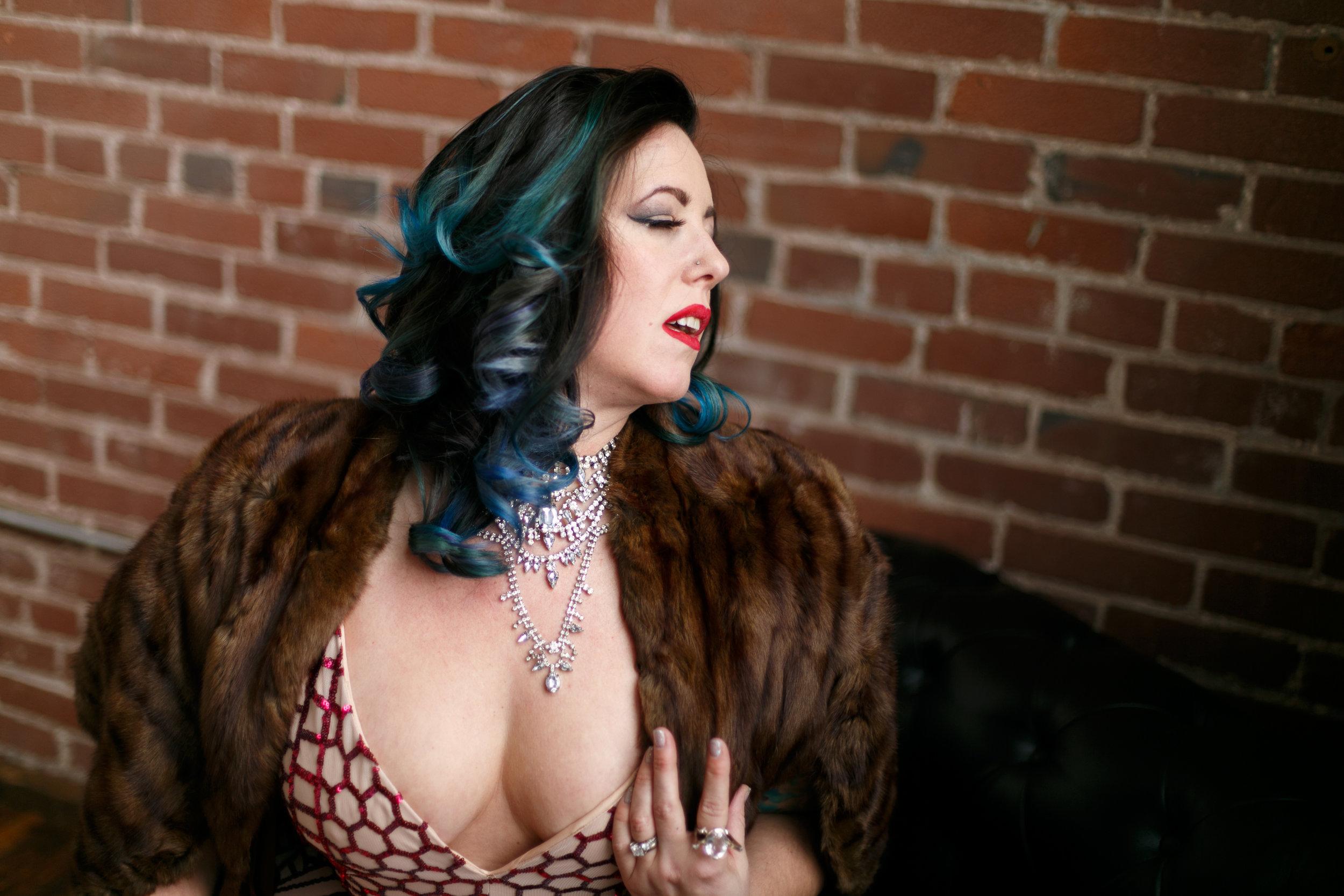 Philly-boudoir-session-posing-inspiration-rachel-21.jpg