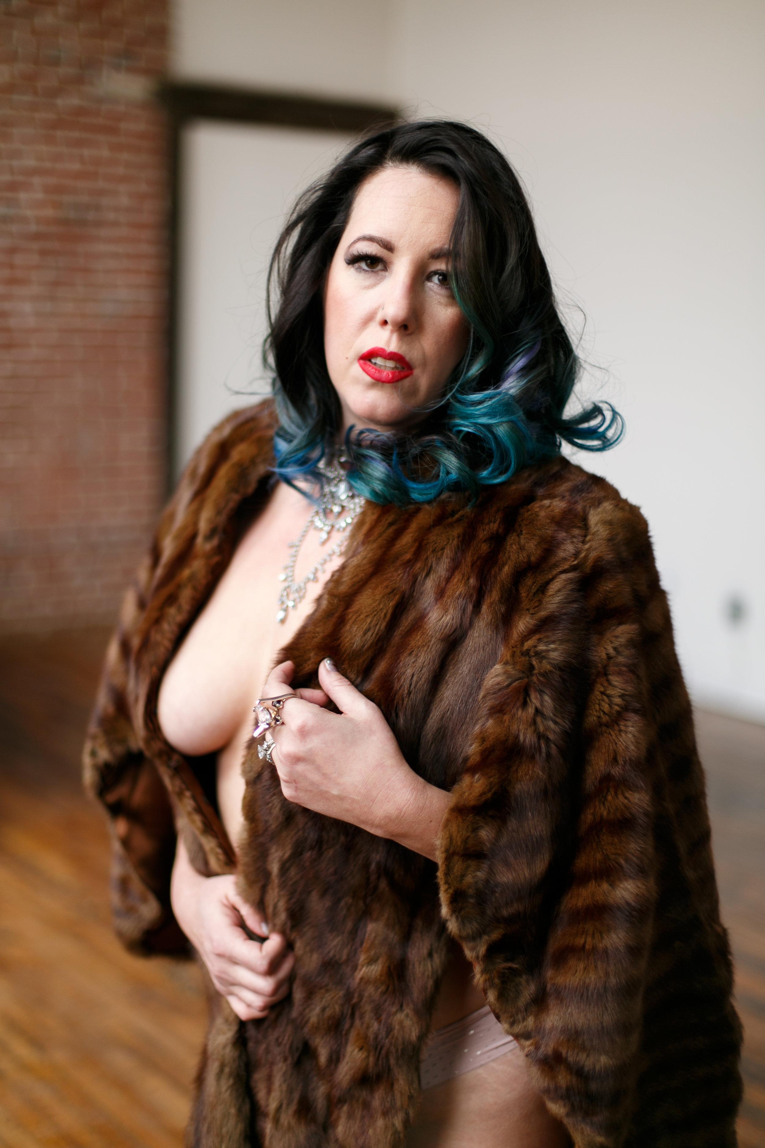 Philly-boudoir-session-posing-inspiration-rachel-30.jpg