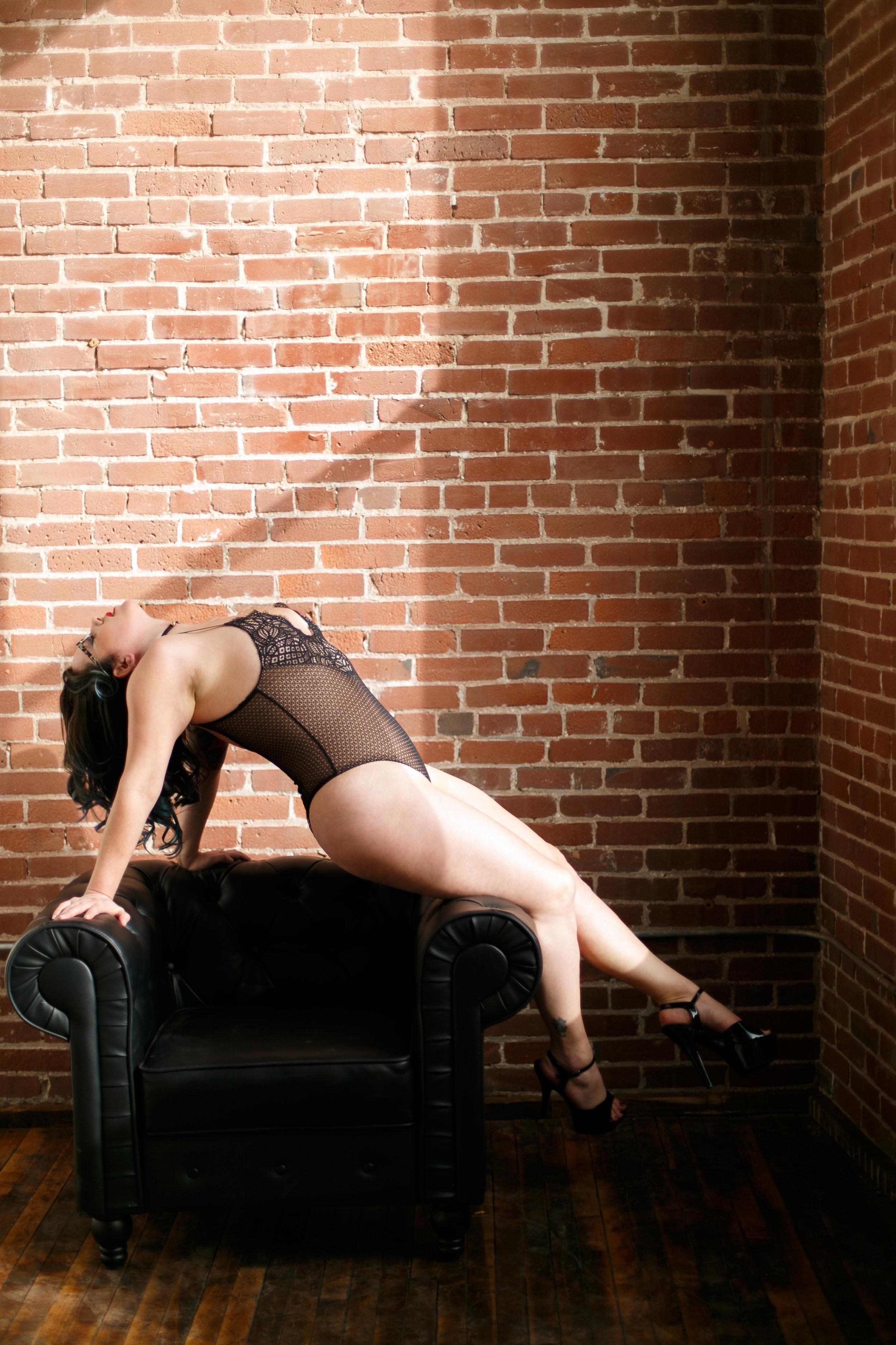 Philly-boudoir-session-posing-inspiration-rachel-69.jpg