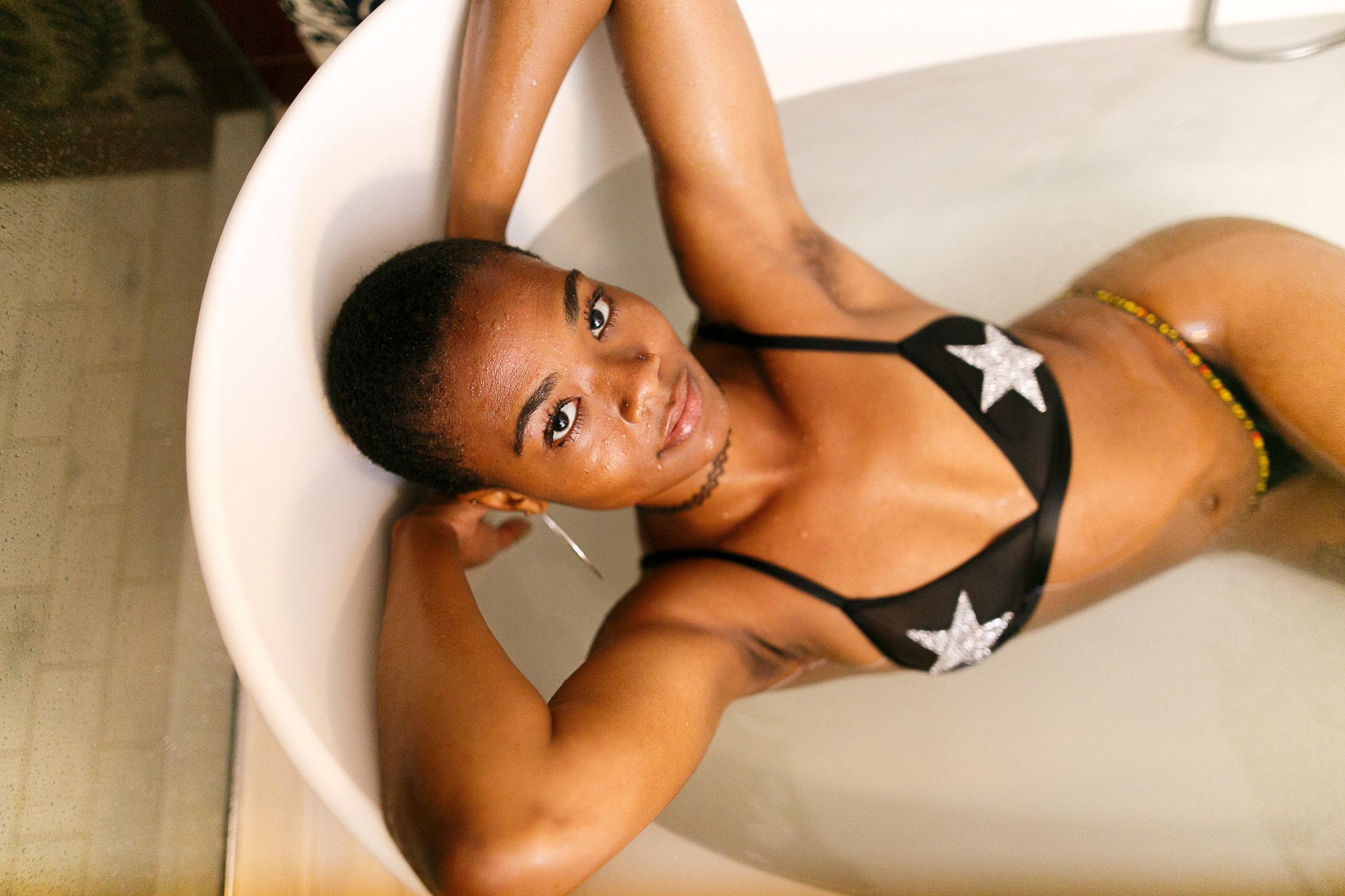 Fi Philadelphia bathtub boudoir Session-27.jpg