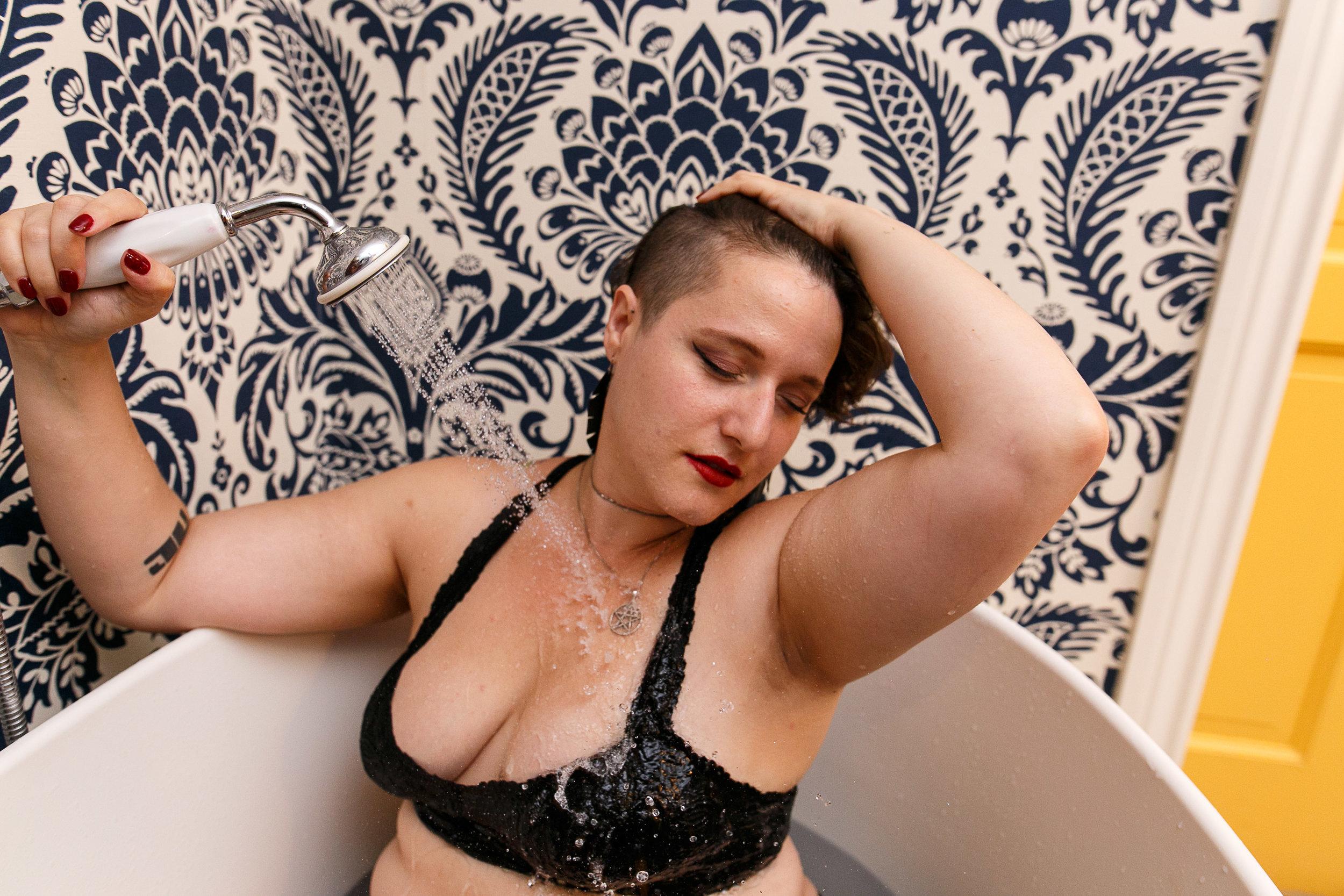 Glamorous Bathtub Boudoir Session at the Hotel Monaco Philadelphia 11