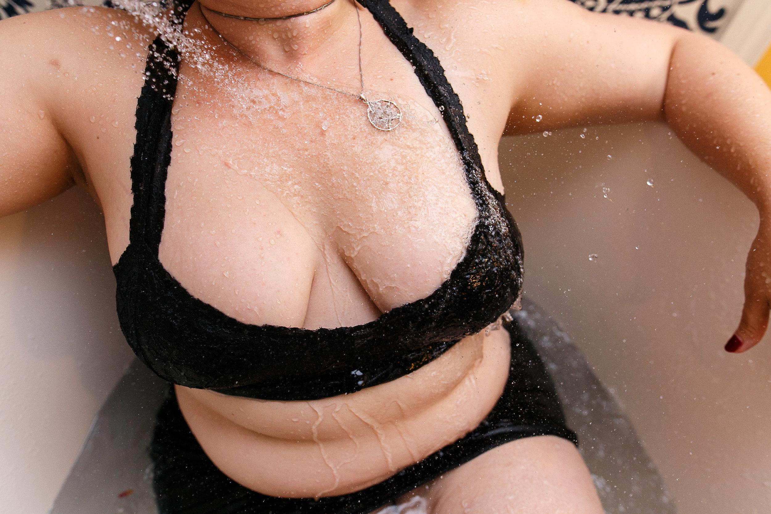 Glamorous Bathtub Boudoir Session at the Hotel Monaco Philadelphia 12