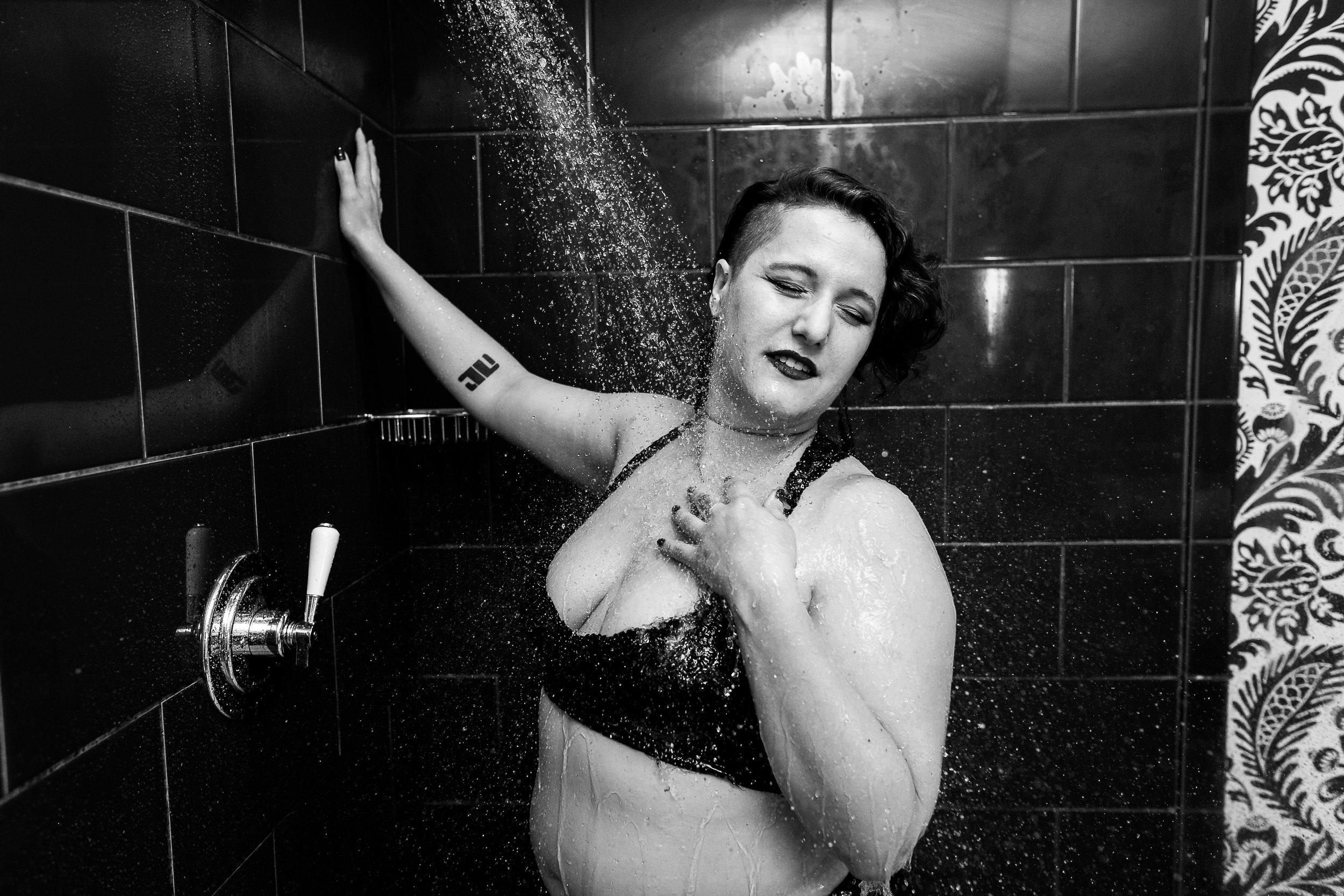 Glamorous Bathtub Boudoir Session at the Hotel Monaco Philadelphia 14