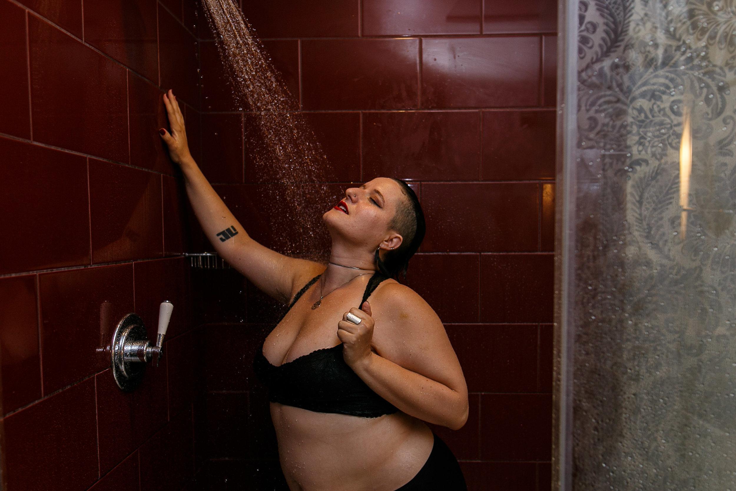 Glamorous Bathtub Boudoir Session at the Hotel Monaco Philadelphia 19