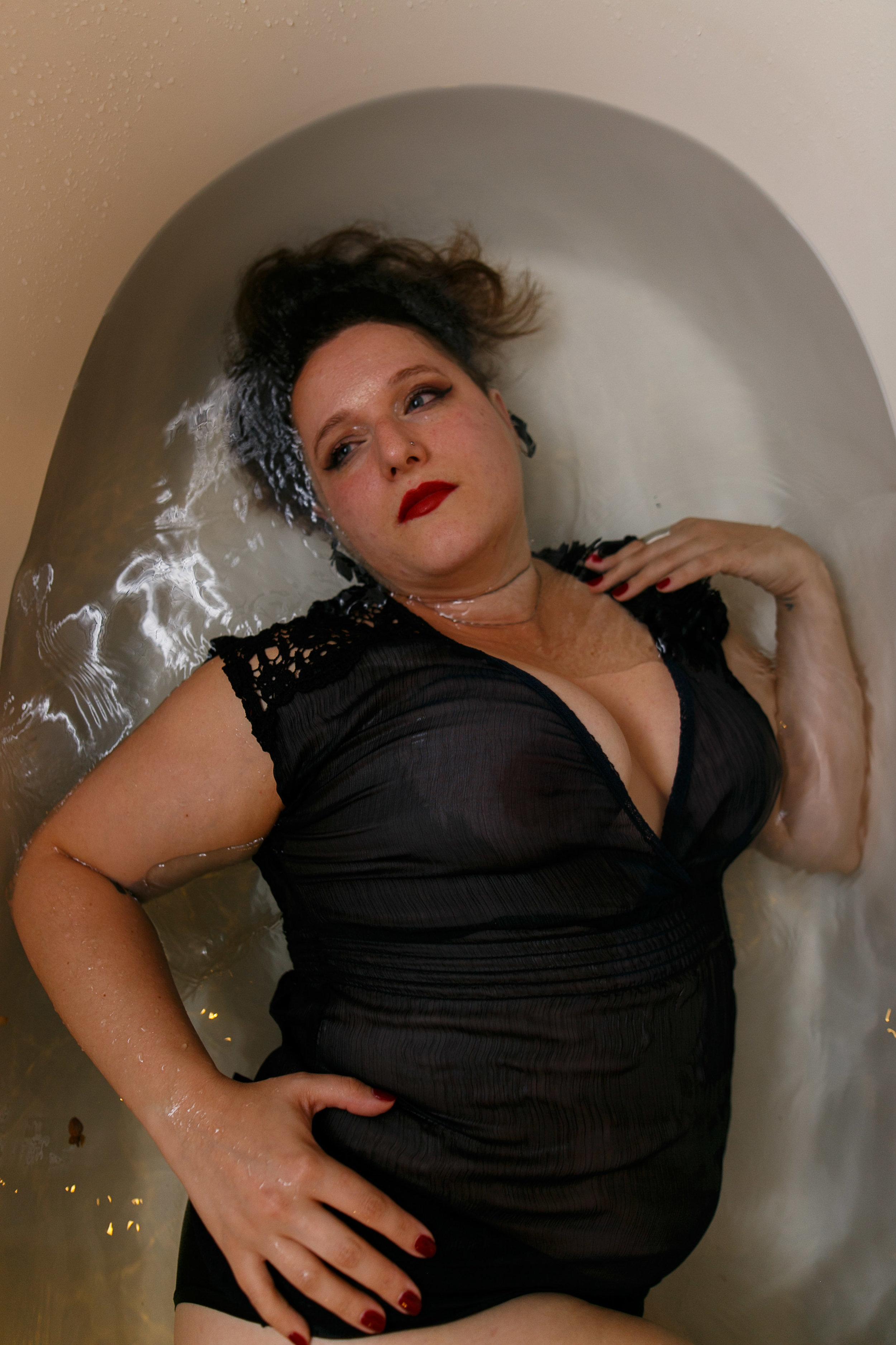 Glamorous Bathtub Boudoir Session at the Hotel Monaco Philadelphia 25