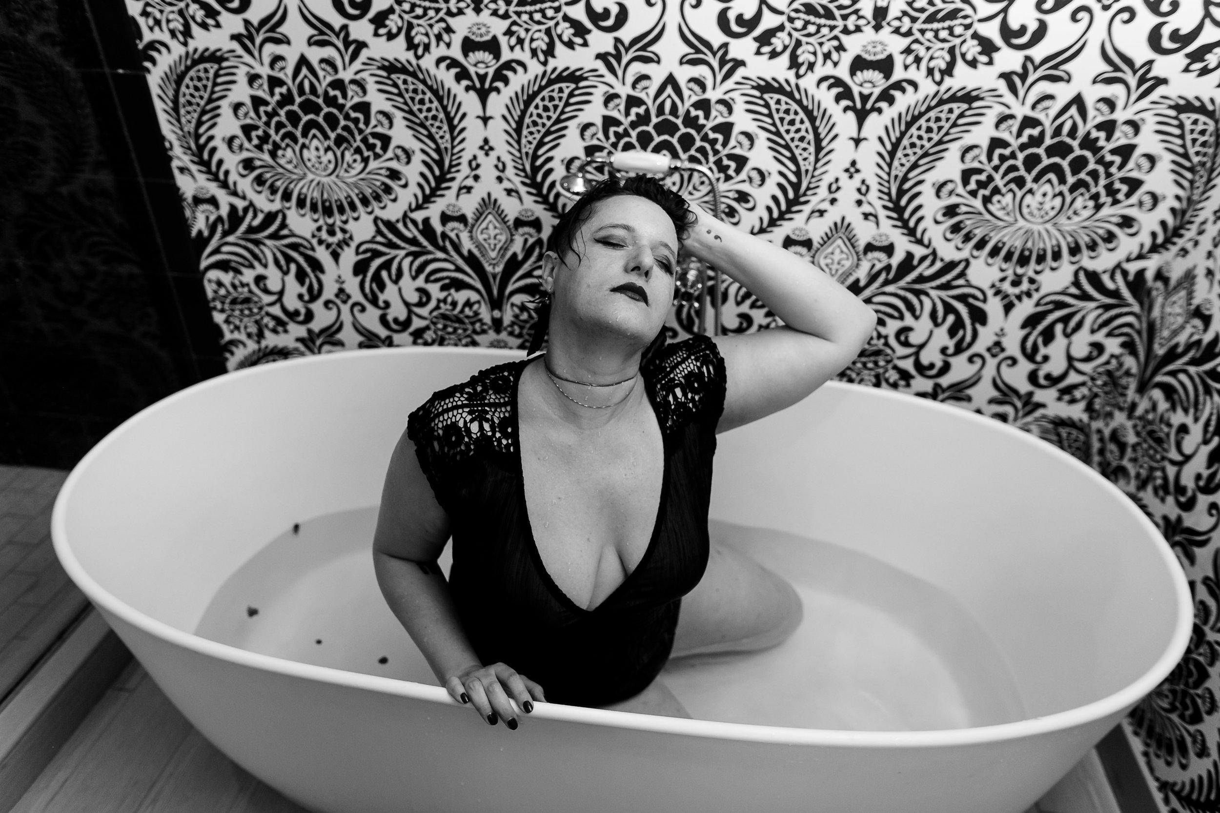 Glamorous Bathtub Boudoir Session at the Hotel Monaco Philadelphia 29
