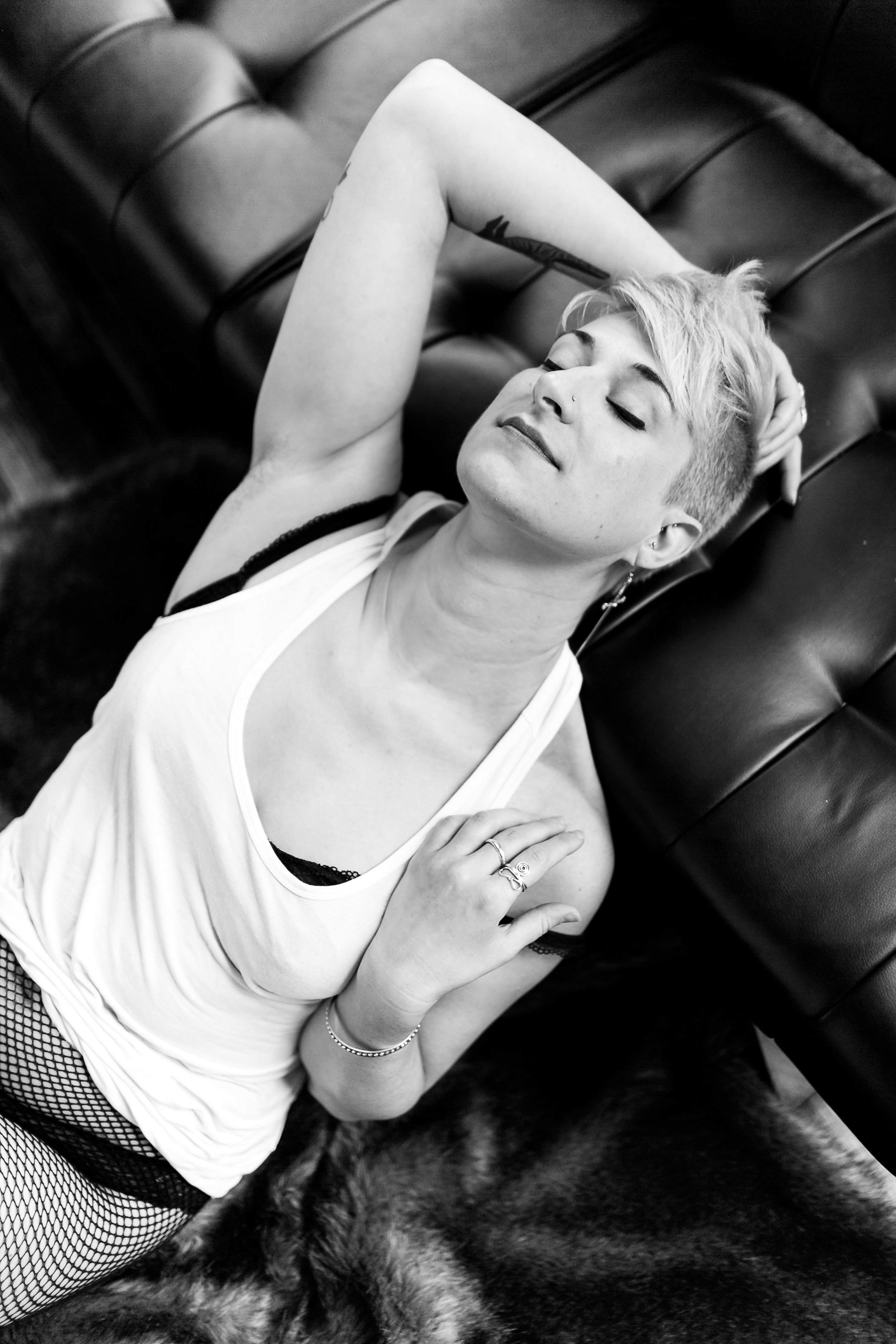 Queer Philly Boudoir Photography Session with Meredith44.jpg