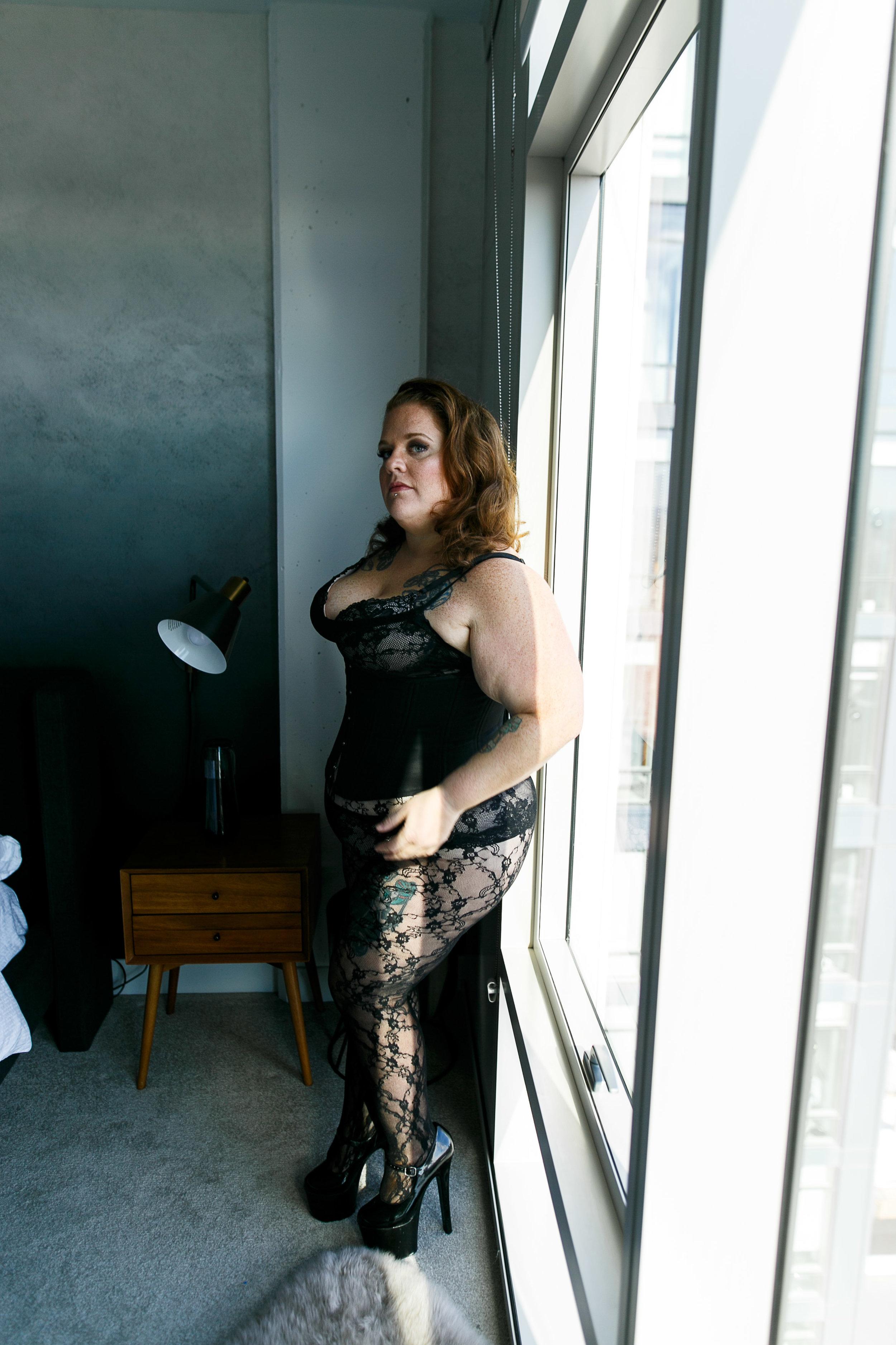 Jenn Burlesque Philly Boudoir Session-47.jpg