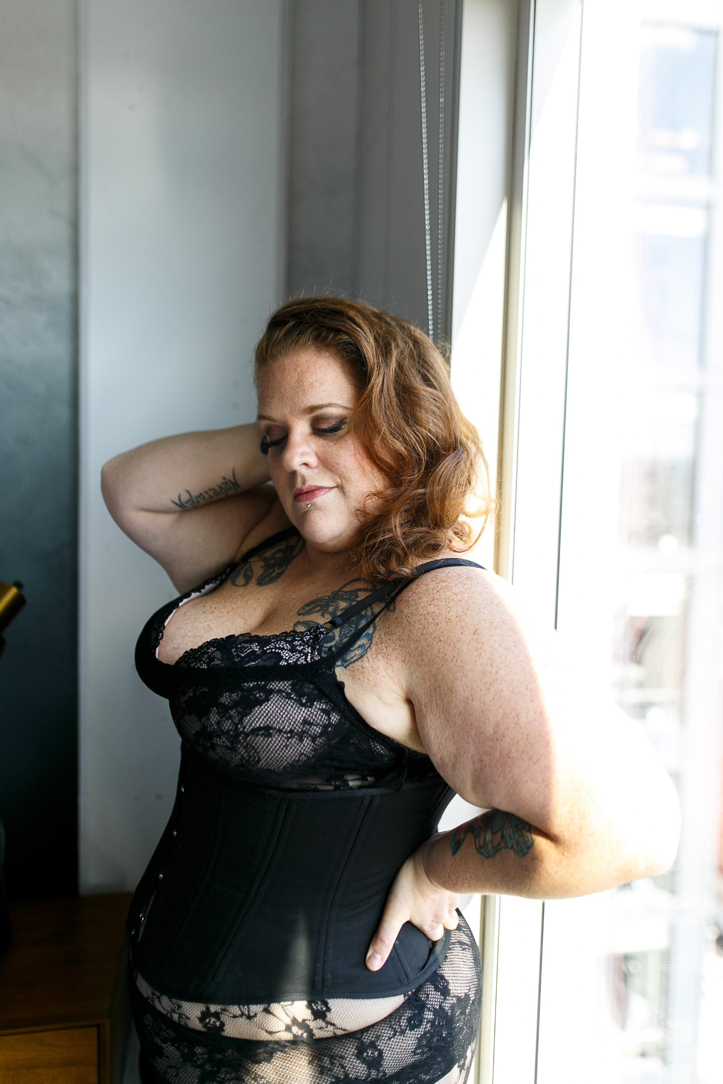 Jenn Burlesque Philly Boudoir Session-55.jpg