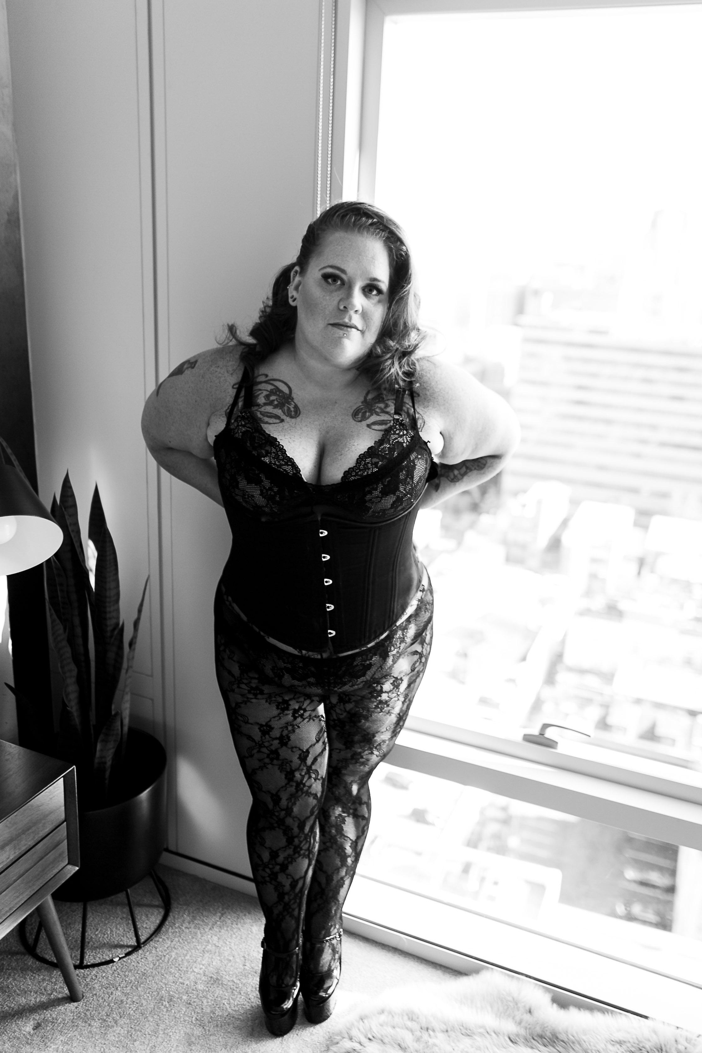 Jenn Burlesque Philly Boudoir Session-58.jpg