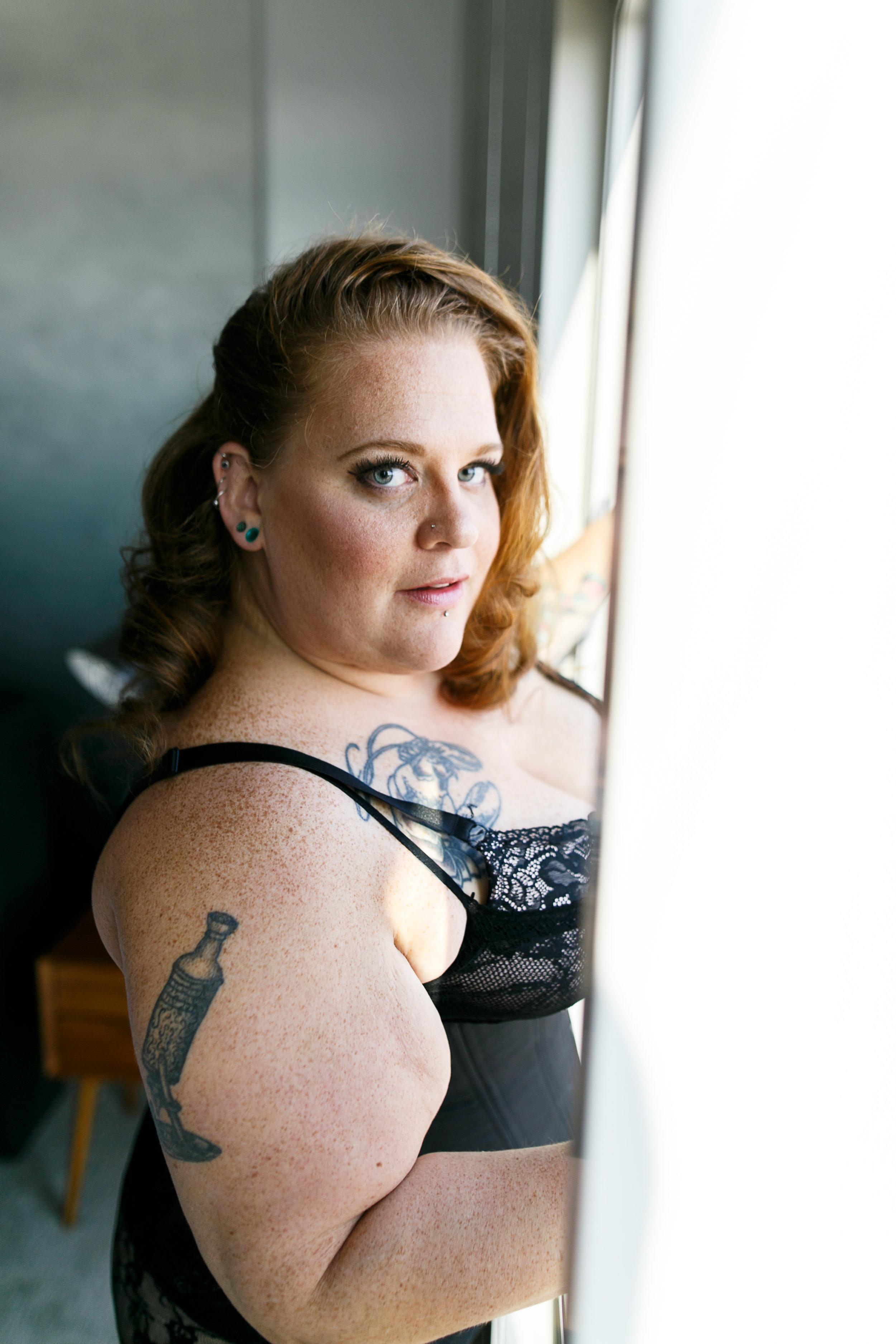 Jenn Burlesque Philly Boudoir Session-66.jpg