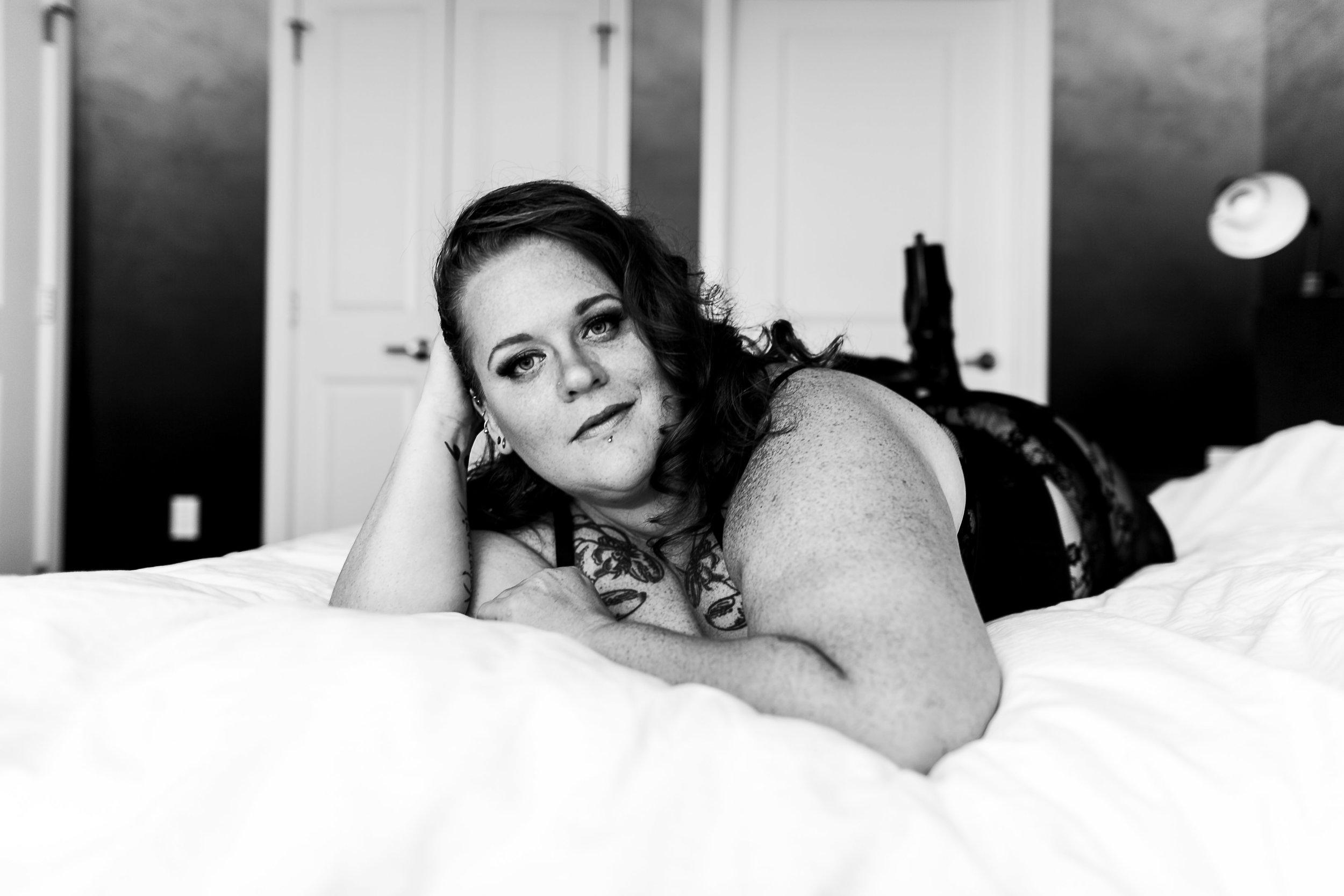Jenn Burlesque Philly Boudoir Session-98.jpg