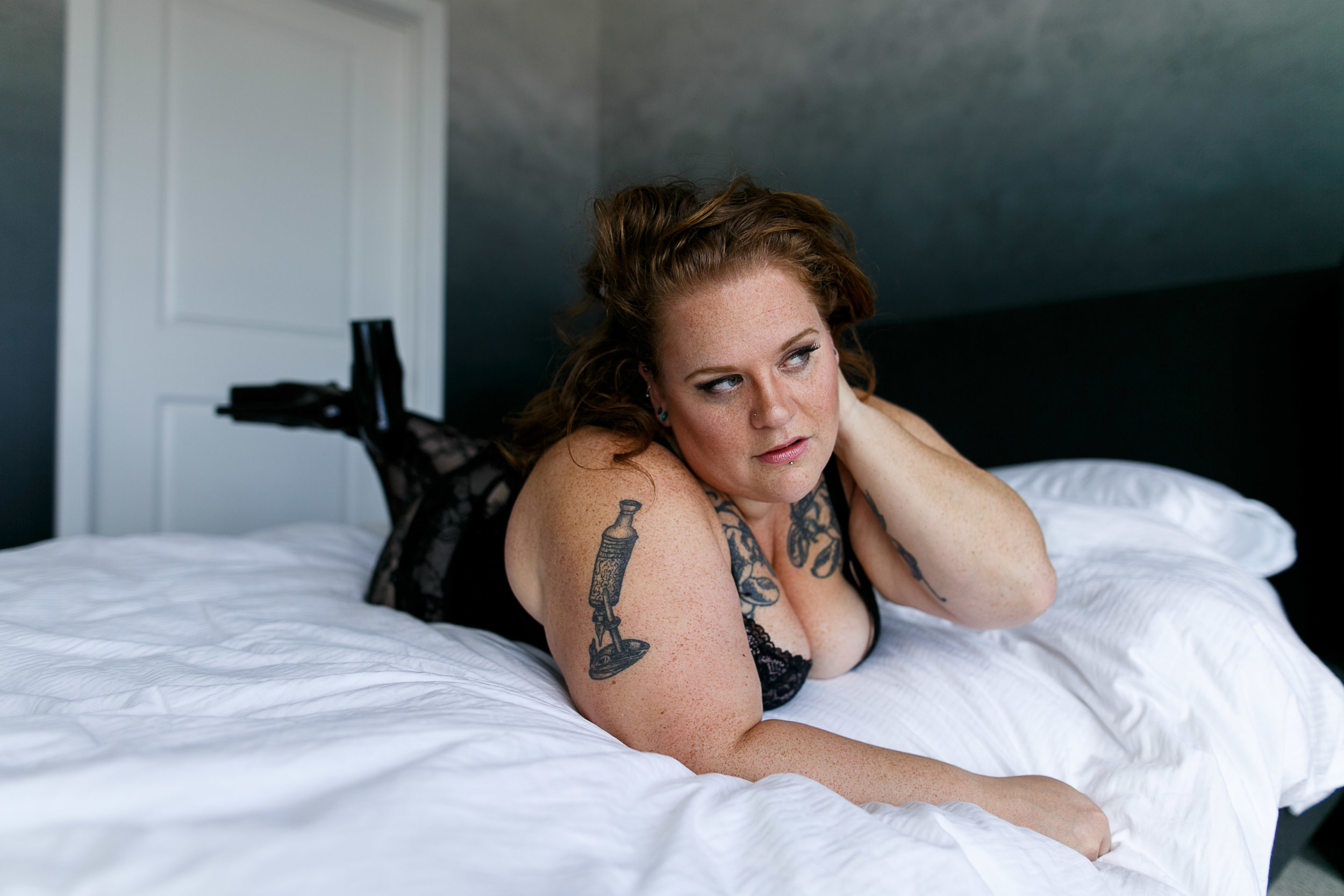 Jenn Burlesque Philly Boudoir Session-129.jpg