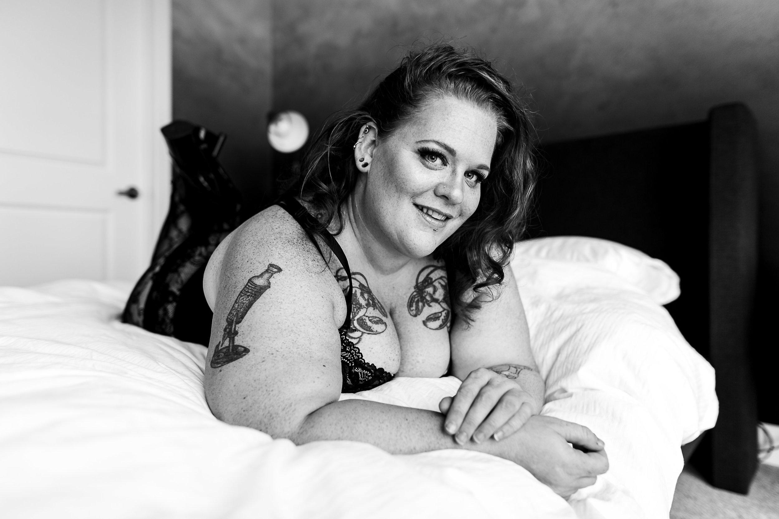 Jenn Burlesque Philly Boudoir Session-139.jpg
