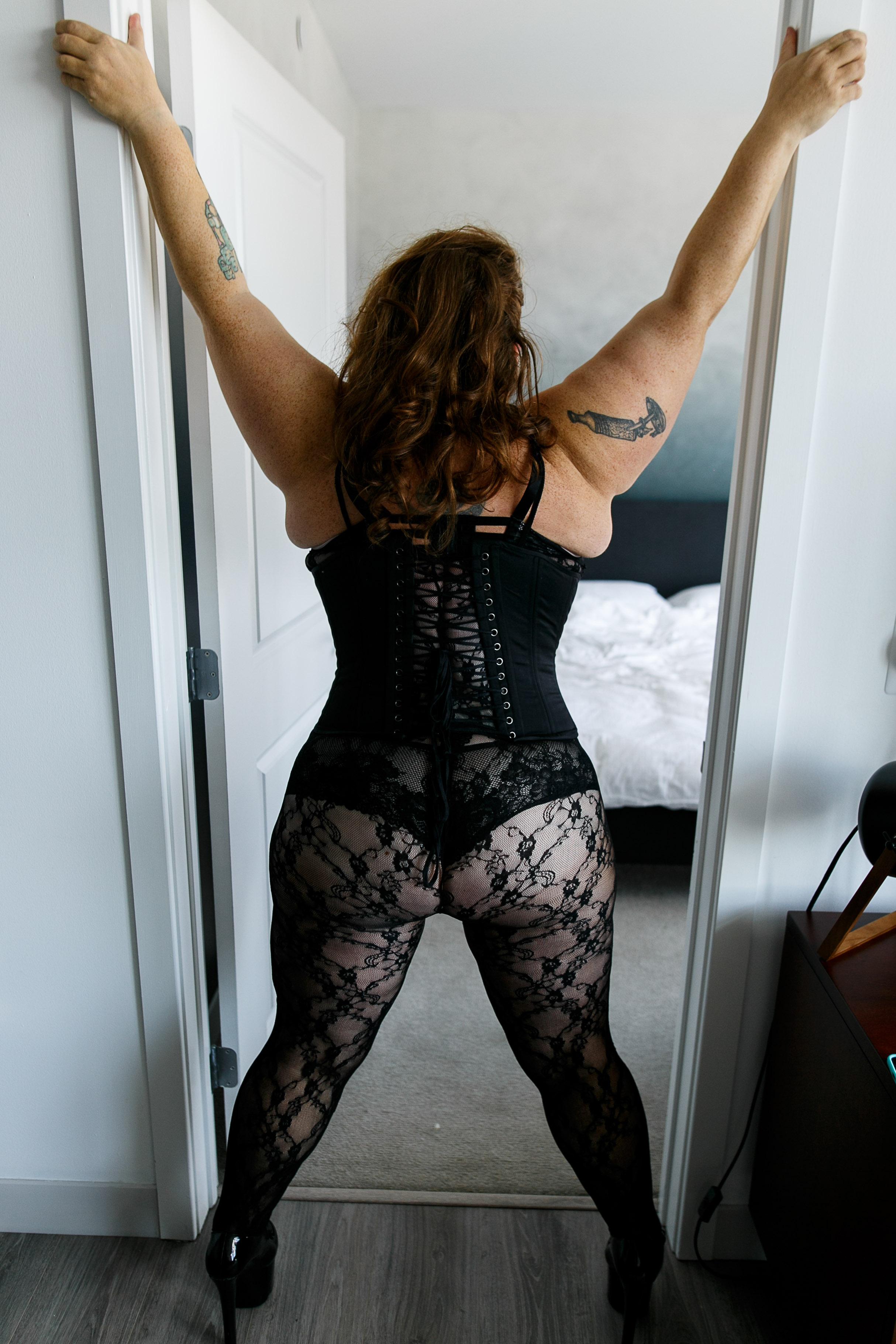 Jenn Burlesque Philly Boudoir Session-153.jpg