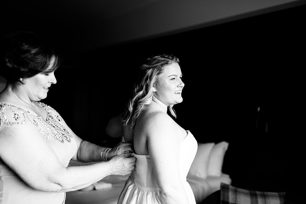 Old City Philly Renaissance Hotel Lesbian Winter Wedding13.jpg