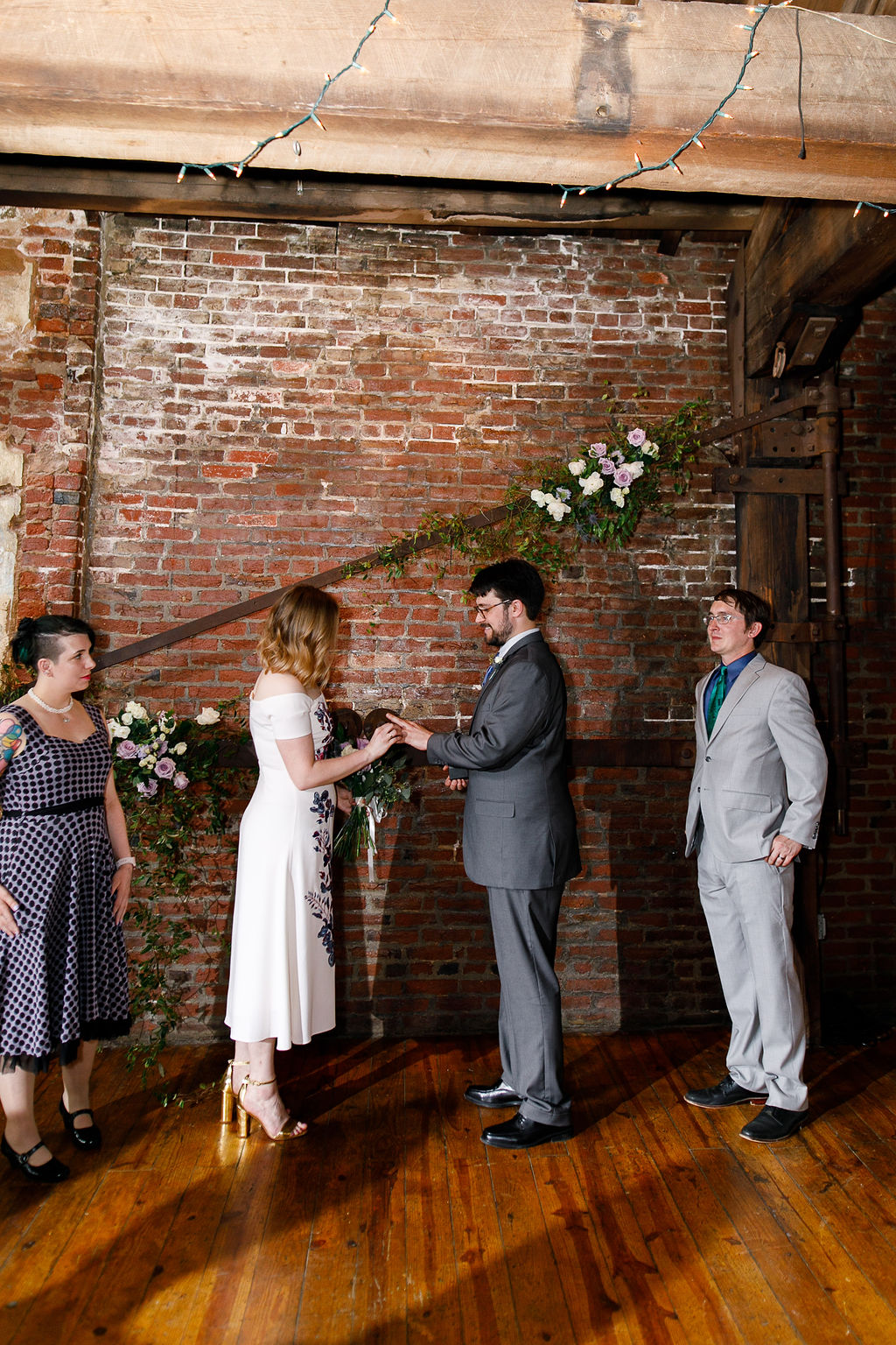Philly Maas Building Summer Wedding67.jpg