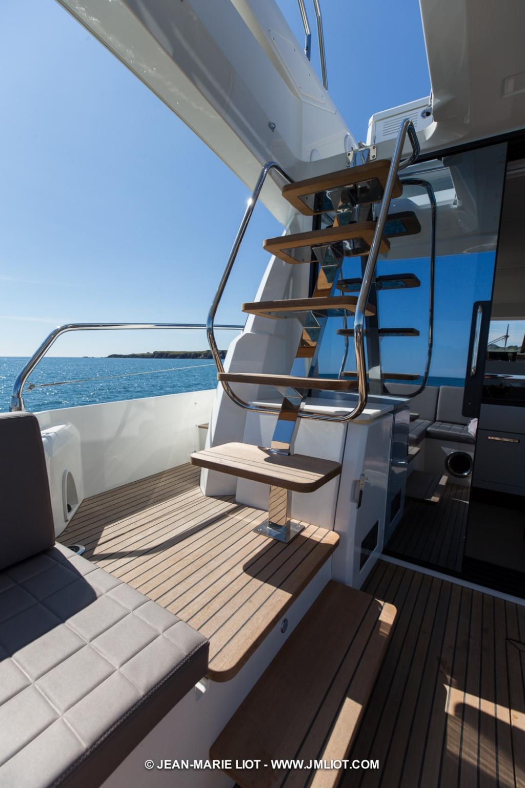 luxury-yachts-PRESTIGE_520_150030017929ext-23683964.jpg