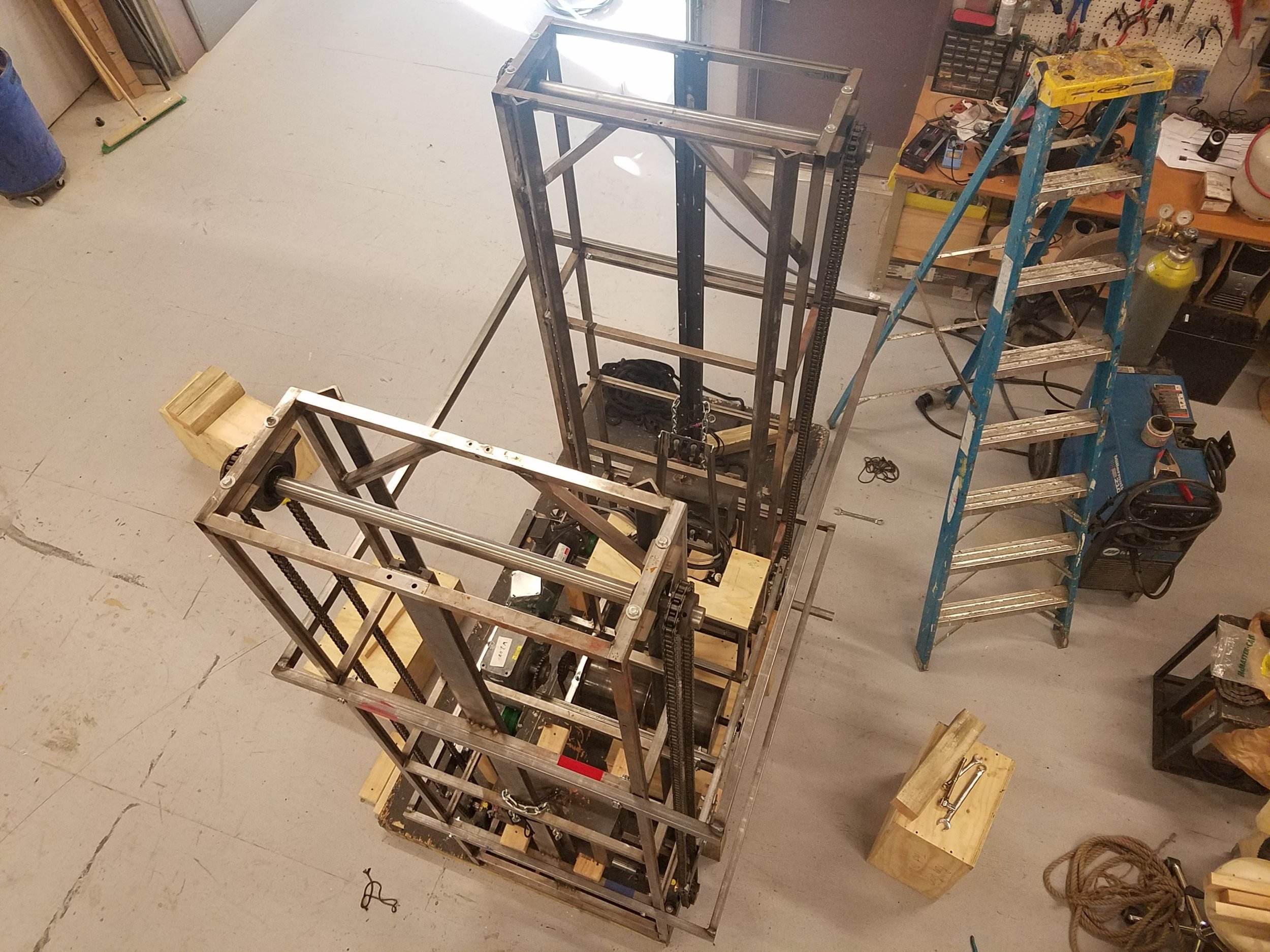 The 39 Steps  elevator in the dry-fit stage, aerial view.