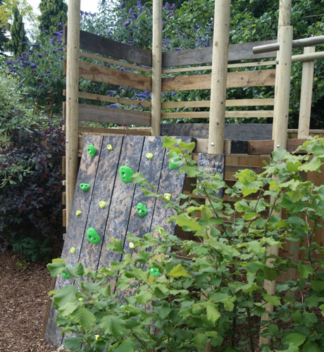 caversham-garden-design-heights-005.jpg