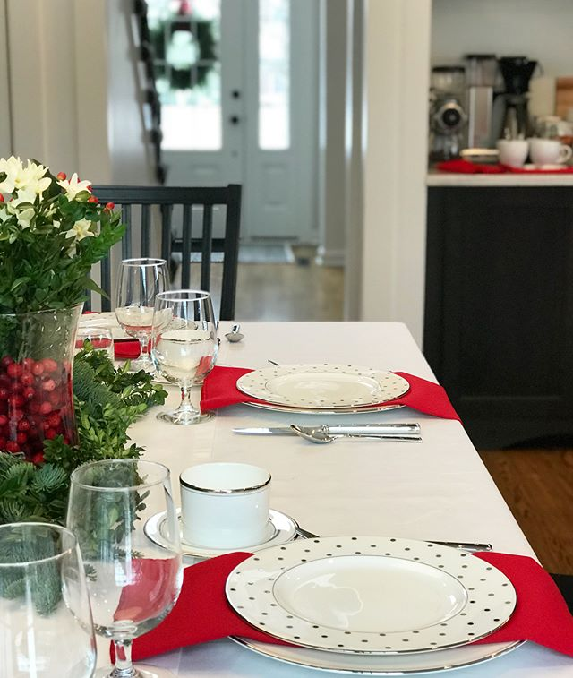 Some of the best memories are those made gathered around the table, and we made some beautiful ones around these tables this Christmas ✨ . . . . #tablescape #christmas #decor #design #interiordesign #interiorstyling #designbuild #kitchendesign #treesidelane