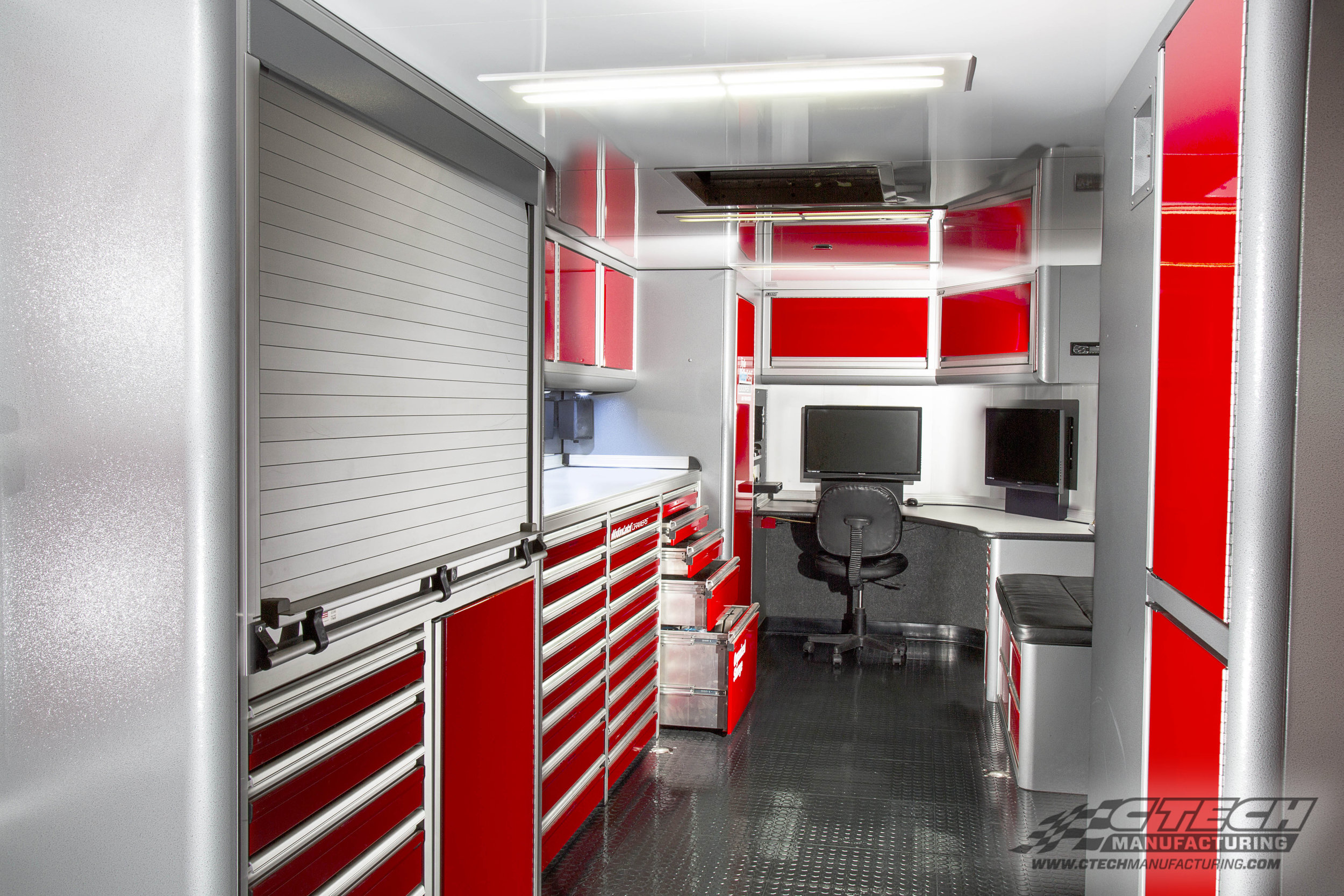 CTECH cabinets are made of lightweight and extremely tough 5052 aluminum construction, which makes them perfect for large, complex trailer systems. Here's a look inside Jim Greenheck's race hauler.