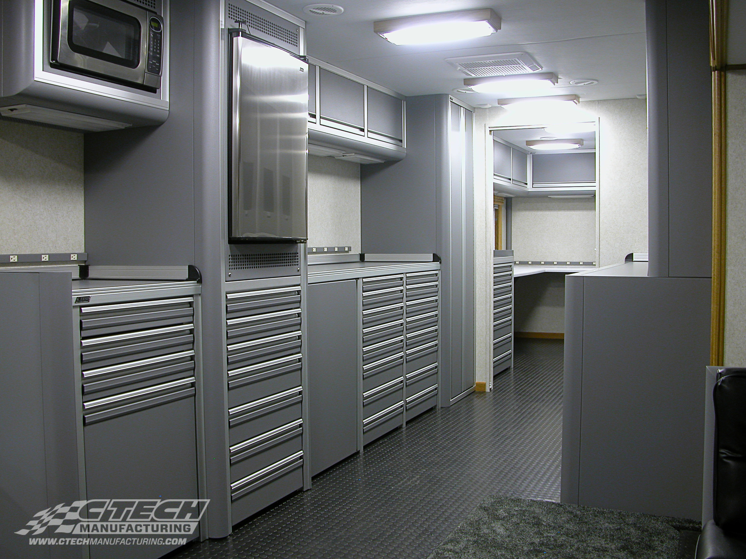 CTECH's lightweight aluminum cabinets make it possible to easily bring the comfort and functionality of a home kitchen on the road. Hospitality trailers rely on CTECH cabinets to provide premium trailer storage systems in a package that is appliance-friendly and homely. BOM 3294