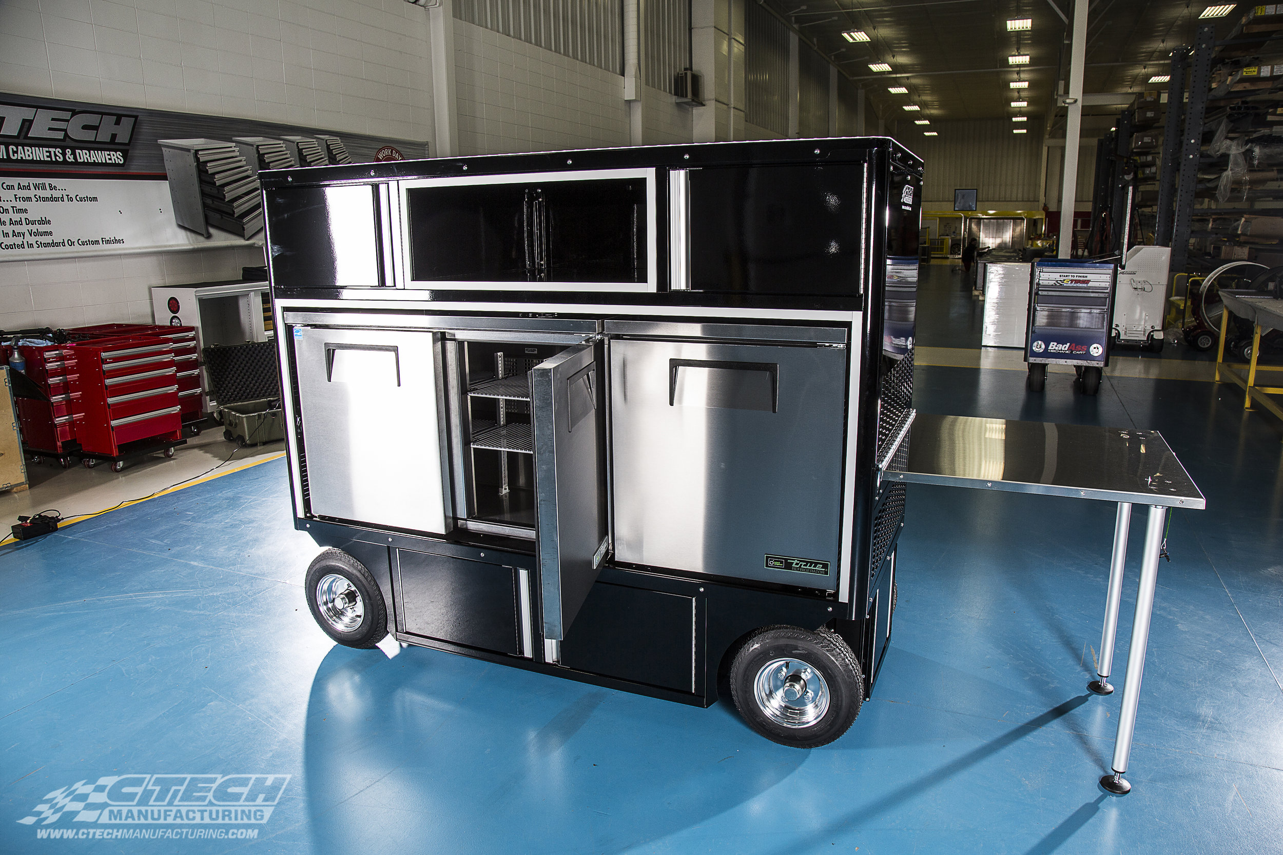 CTECH builds mobile Cooler Carts fitted with with name-brand refrigeration units like True Mfg. You can now bring the hospitality directly to your team, guests, and sponsors to ensure everyone's satisfied and focused.