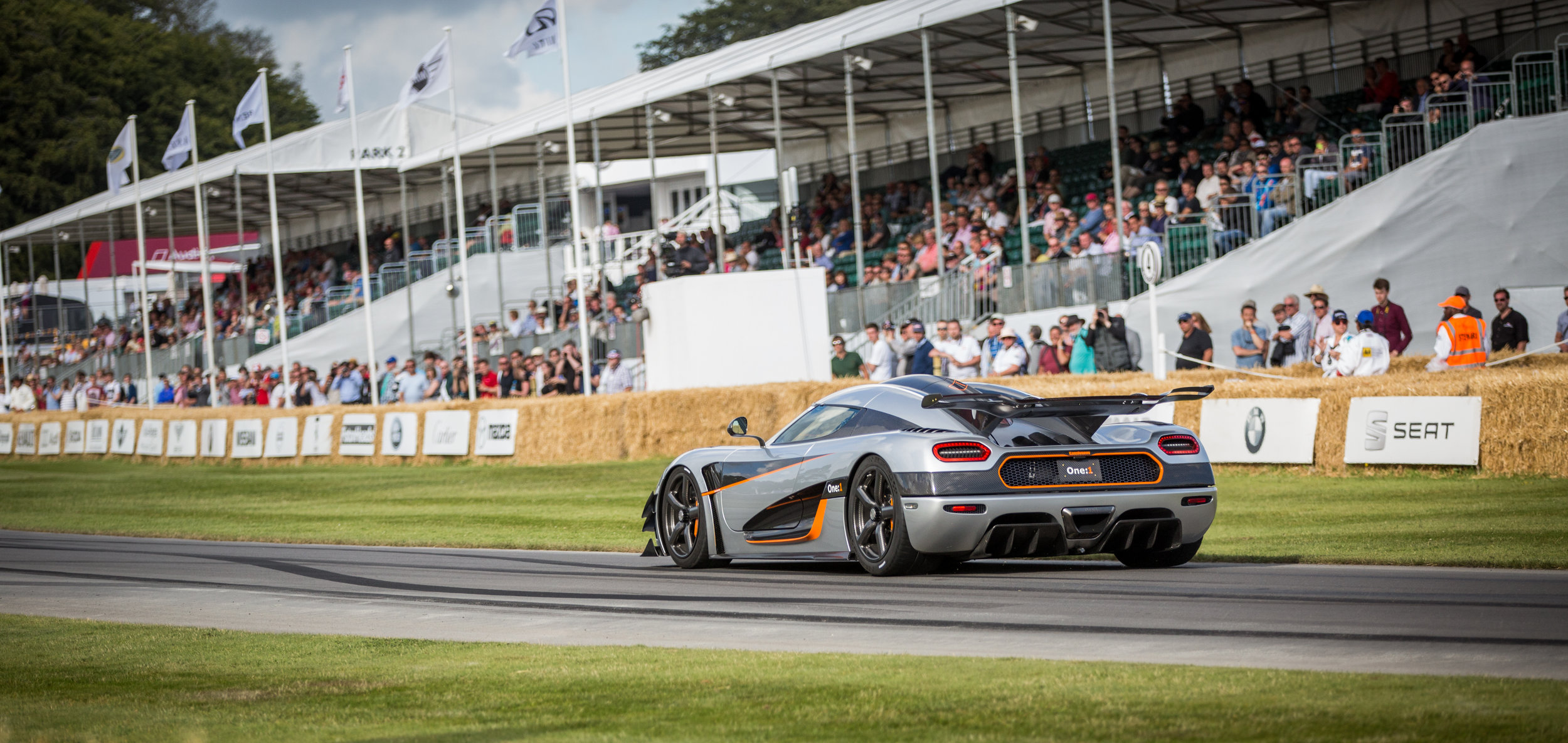 Koenigsegg_(Agera)_One-1_at_Goodwood_2014_009.jpg