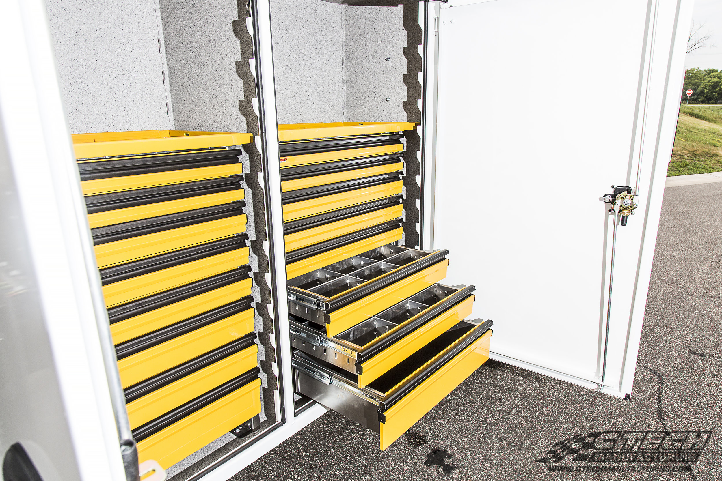 Ctech Tool Drawers are easy to install, and even easier to use. All units are available with three different lid options; fixed, telescoping, and flat to ensure that there's no wasted space.