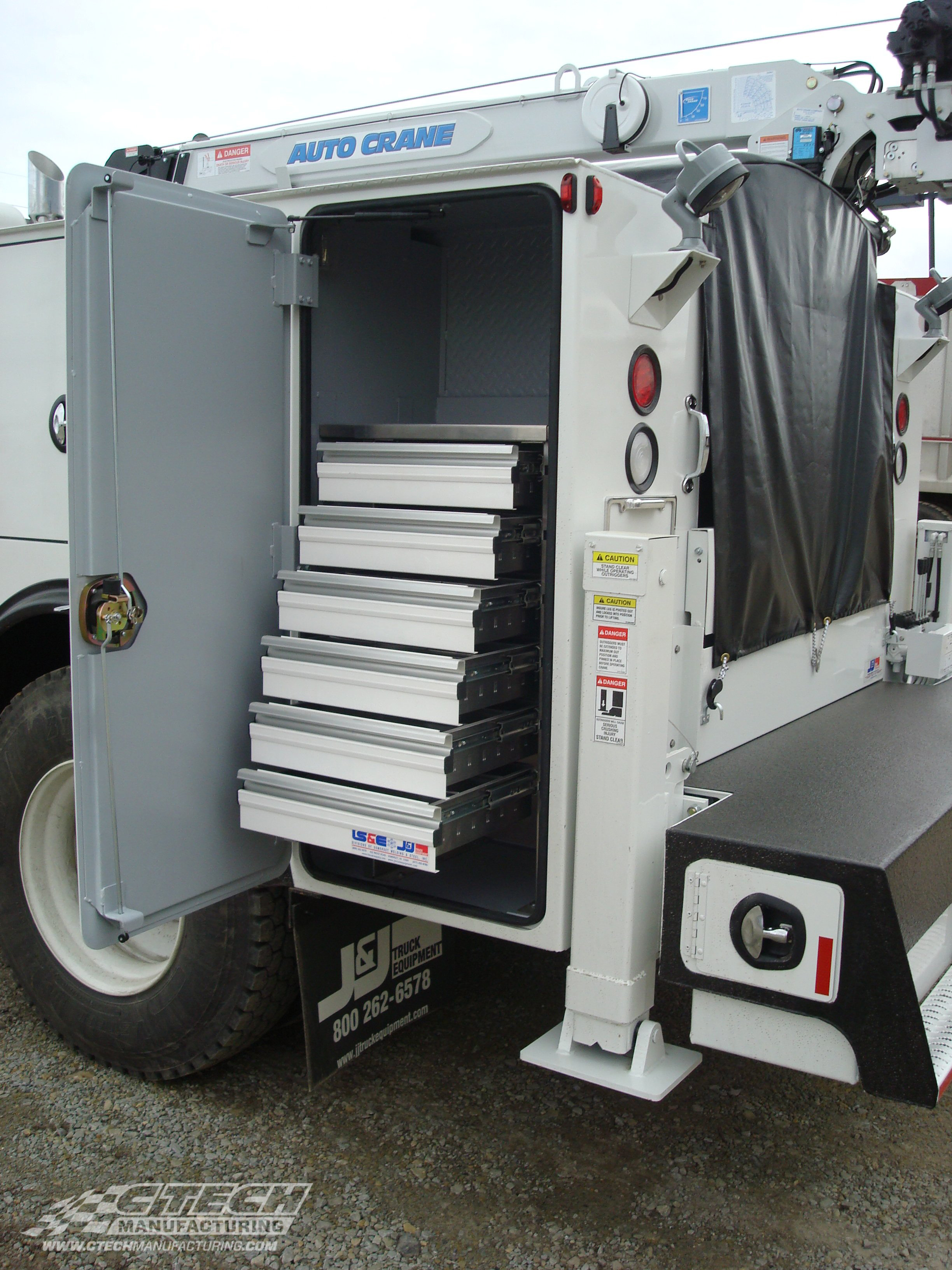 CTech has over 40 standard tool drawer configurations built specifically for Auto Crane service bodies, ready to order and delivered in 10 business days! All drawers come equipped with MotionLatch drawer latching technology that keeps stored contents safe and fingertip-accessible.