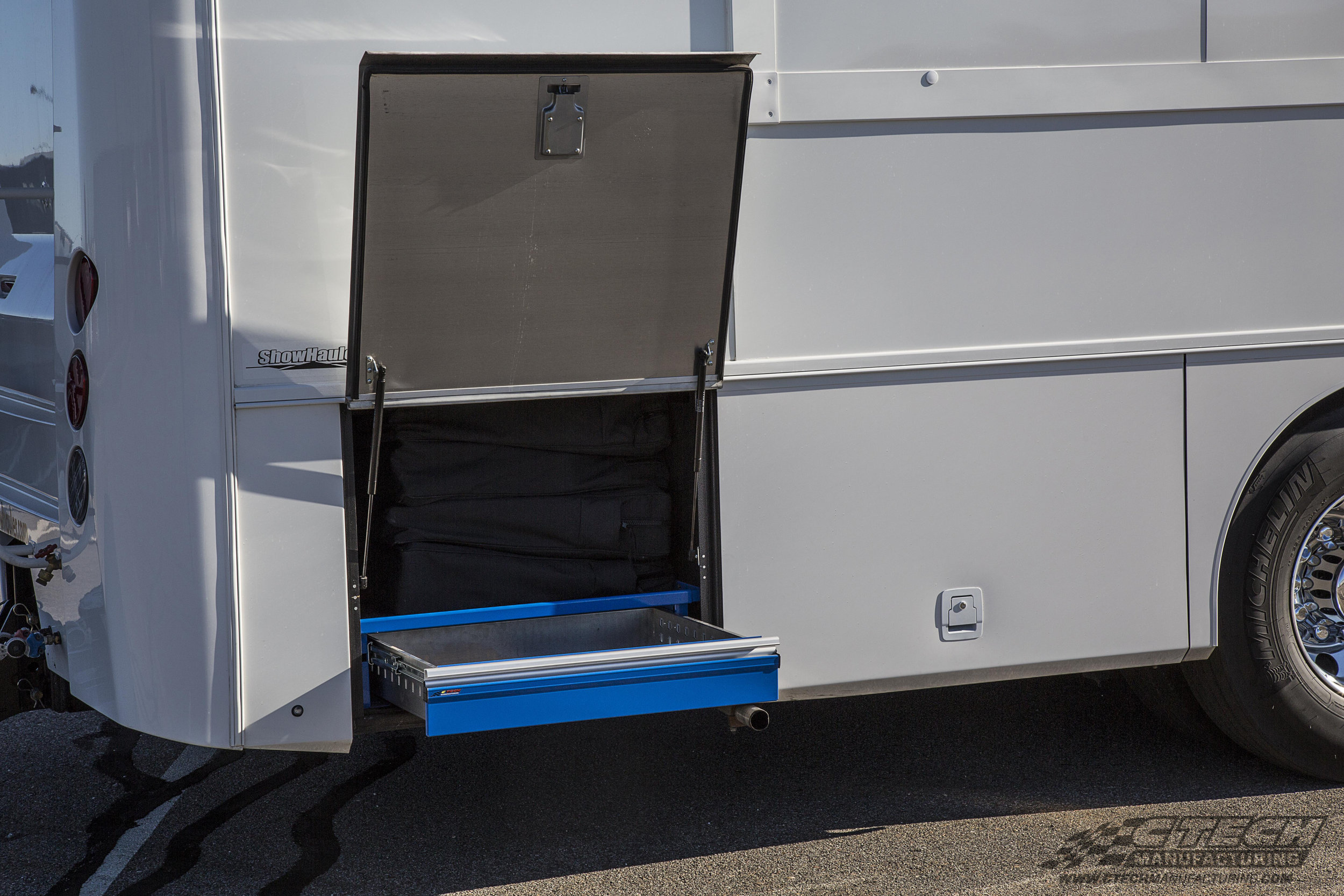 Lower compartment storage on an RV can be a difficult place to organize and access, until now! CTech drawer inserts make every inch of that storage bay accessible and secure!