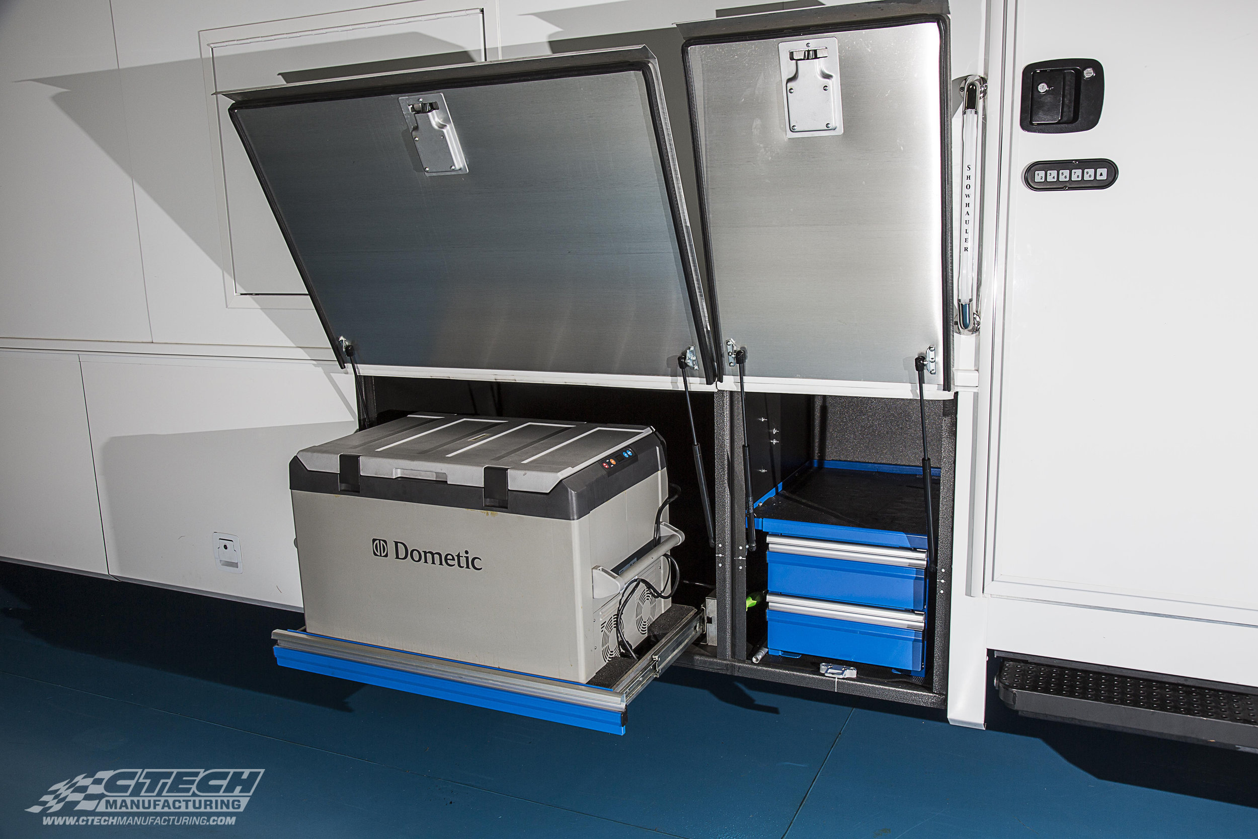 CTech drawer inserts are built for mobile applications, and can fit into any space. Meaning, your RV/Toterhome compartment storage can be easily transformed into accessible, appliance-friendly storage for any purpose.