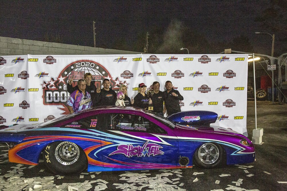 Vonnie Mills in Victory Lane