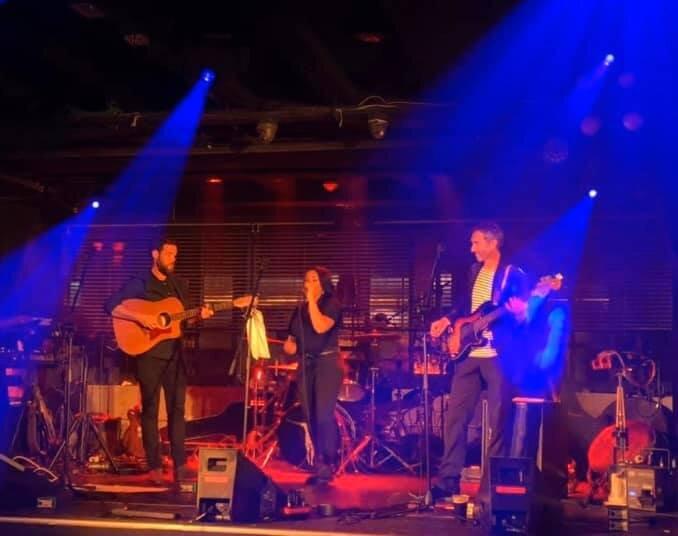 Niamh Collins & band