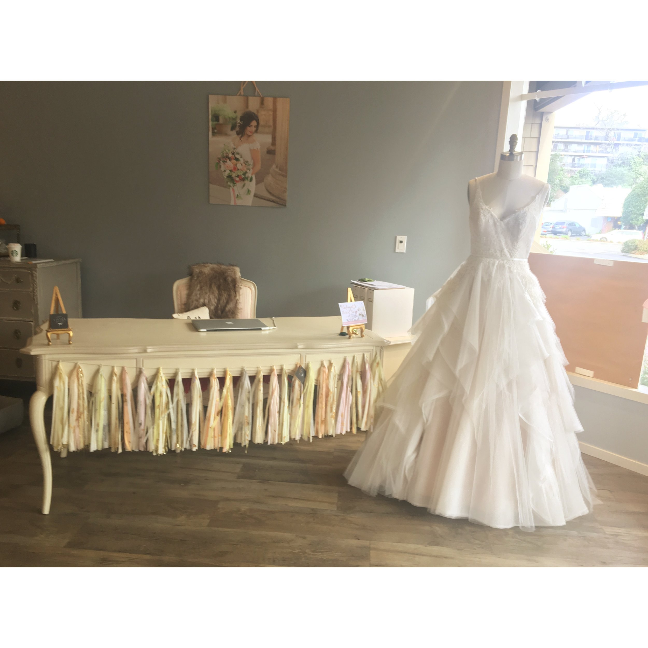 I have several styling ideas that excite me. - Custom garland gives presence to a beautiful desk,like in the charming Lace & Bustle bridal salon in Lafayette, CA.It creates atmosphere for a lovely bridal in-store event!