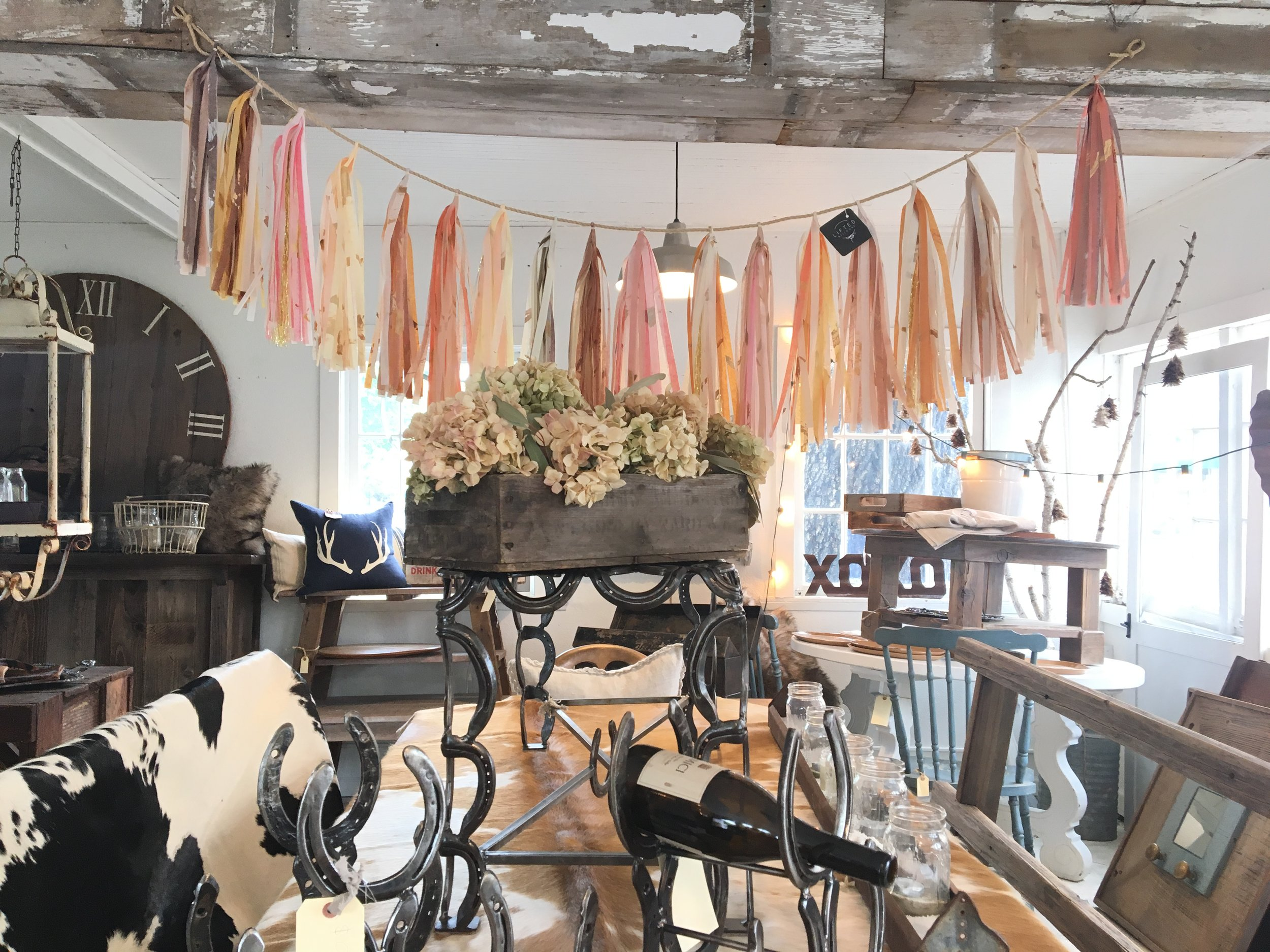 A custom garland hovering over the dinner table will make every meal feel like a special occasion. - I absolutely love it