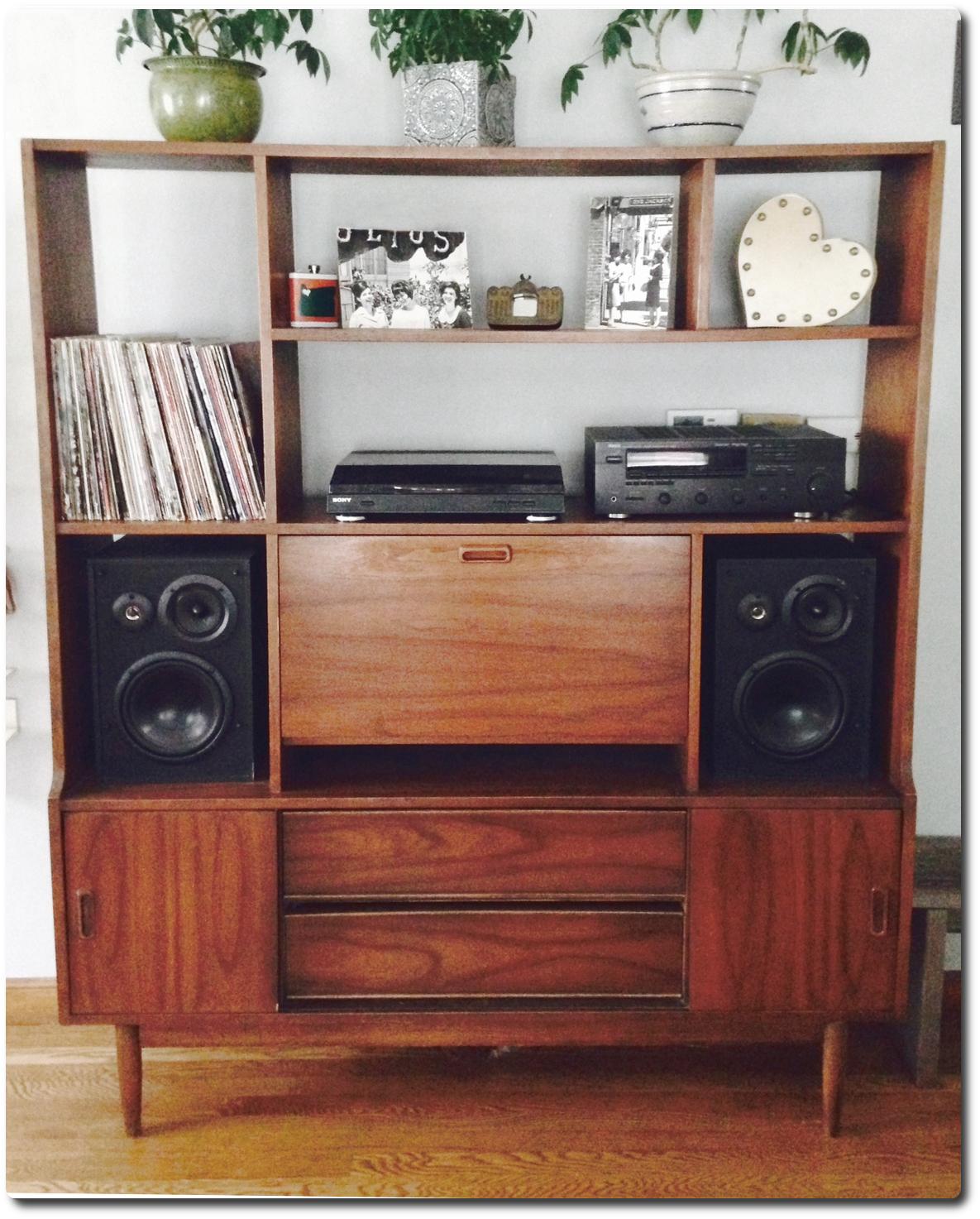 mid-century double-sided display shelf