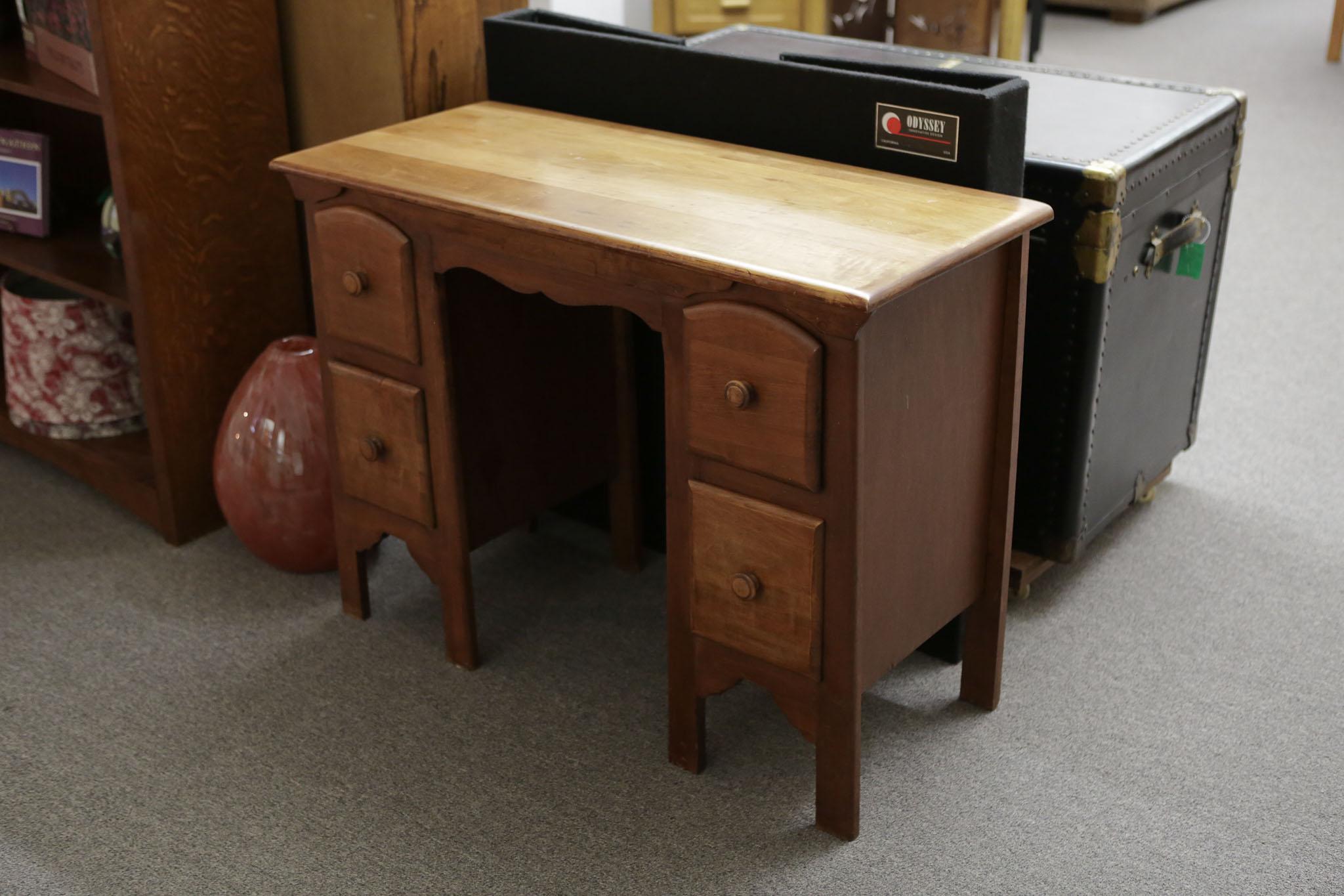 Vtg Maple Desk_Vanity 3376.JPG
