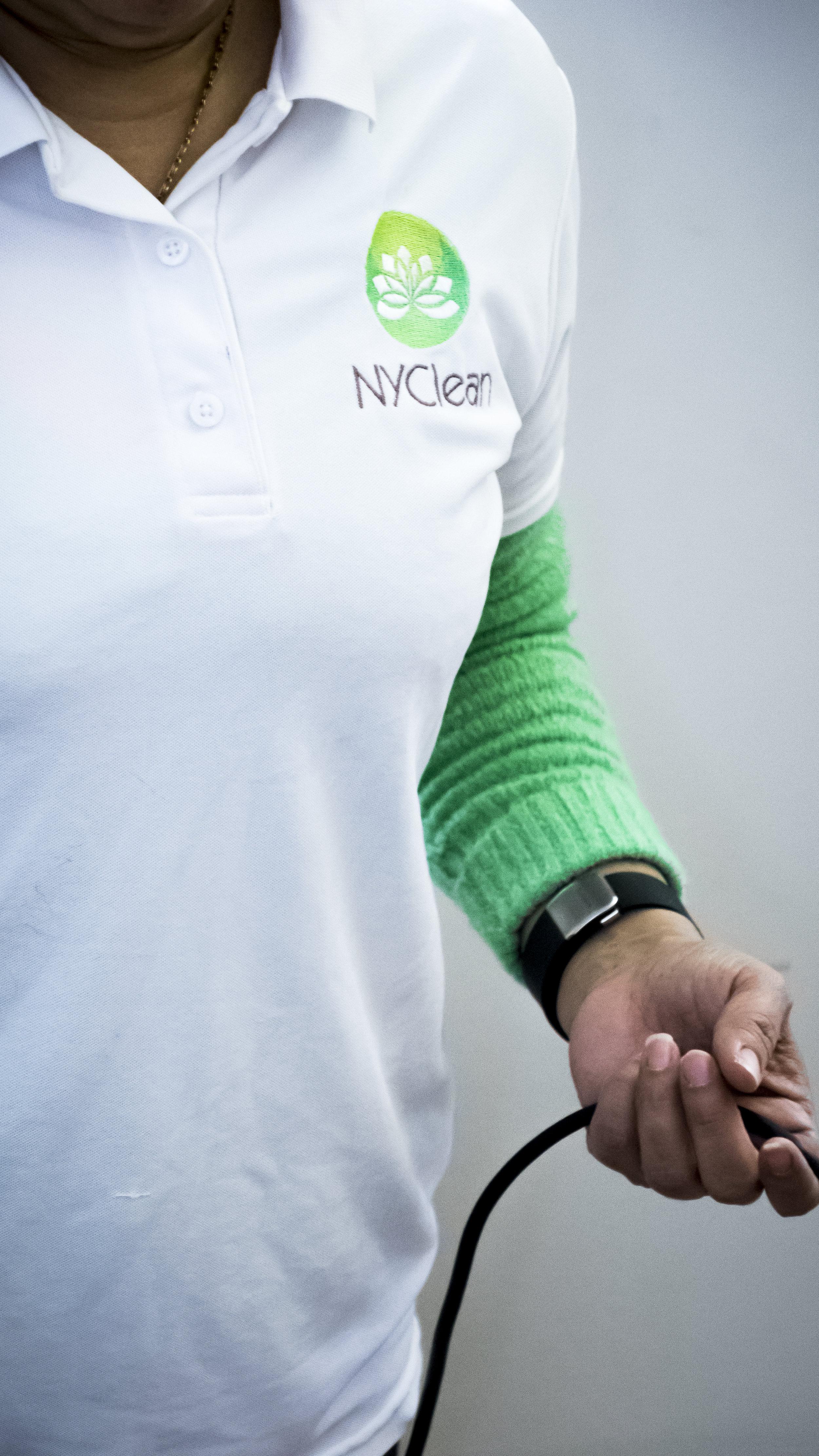 DSC03433logoshirt.JPG