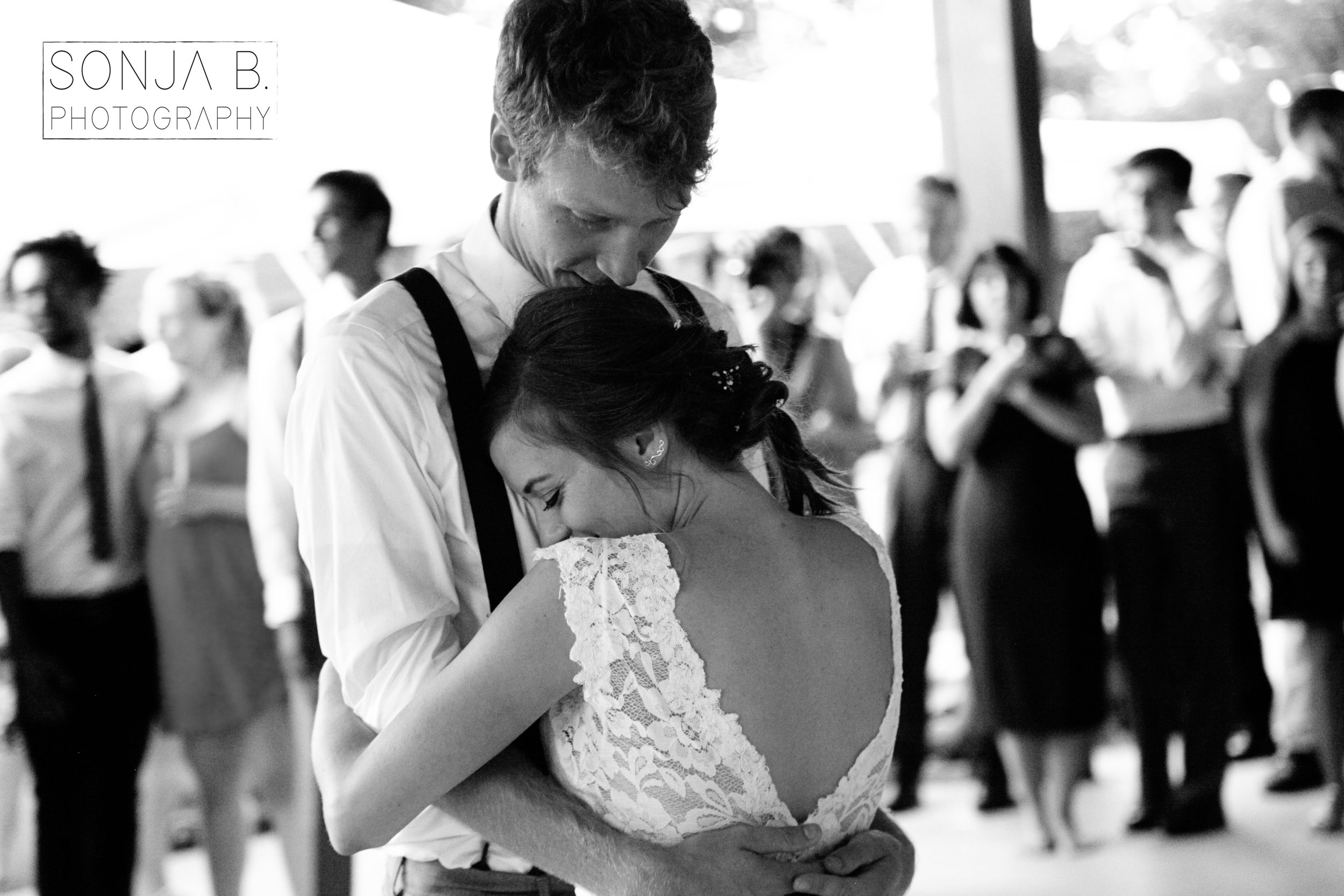 cincinnati wedding first dance photography.jpg