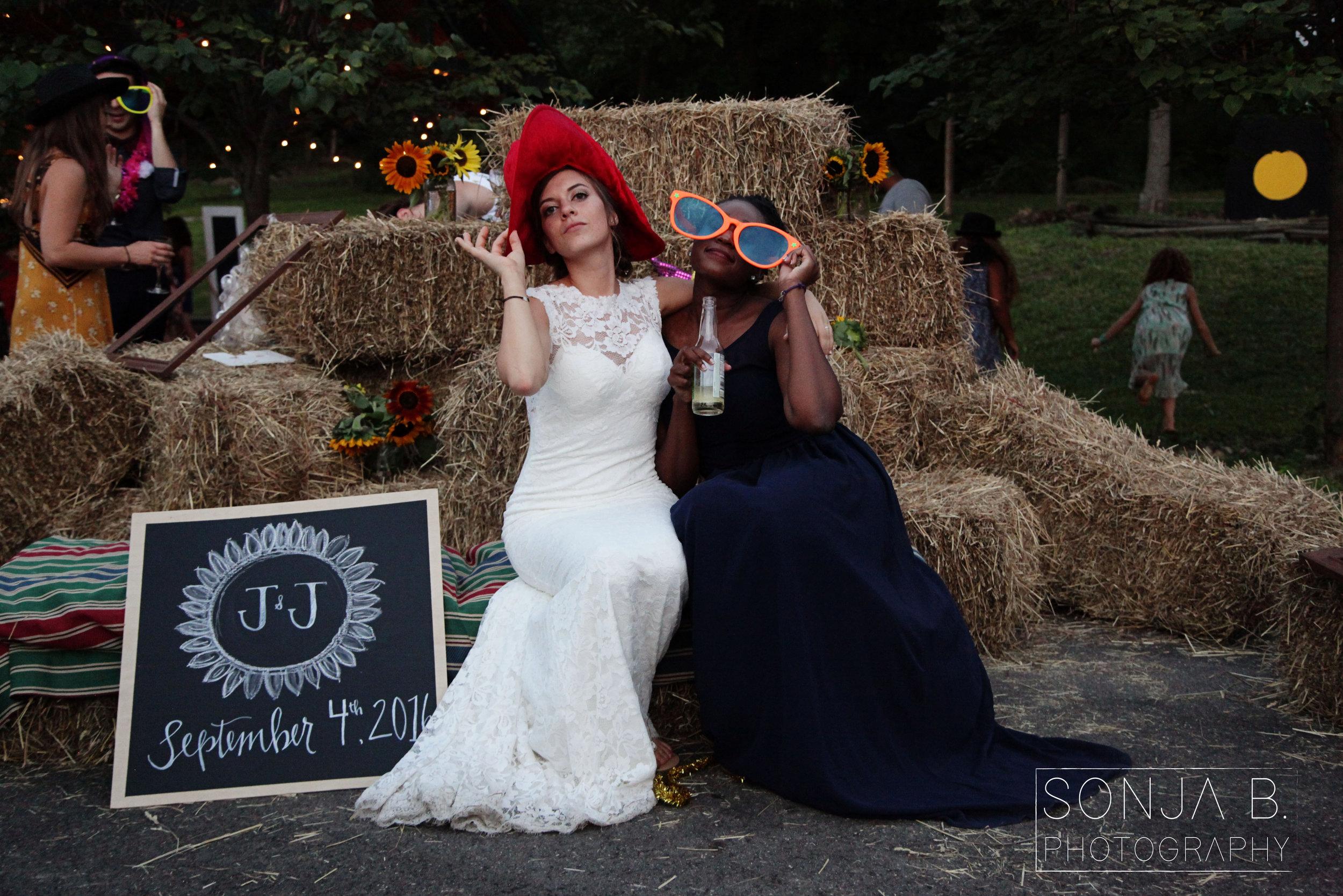 cincinnati wedding photo booth.jpg