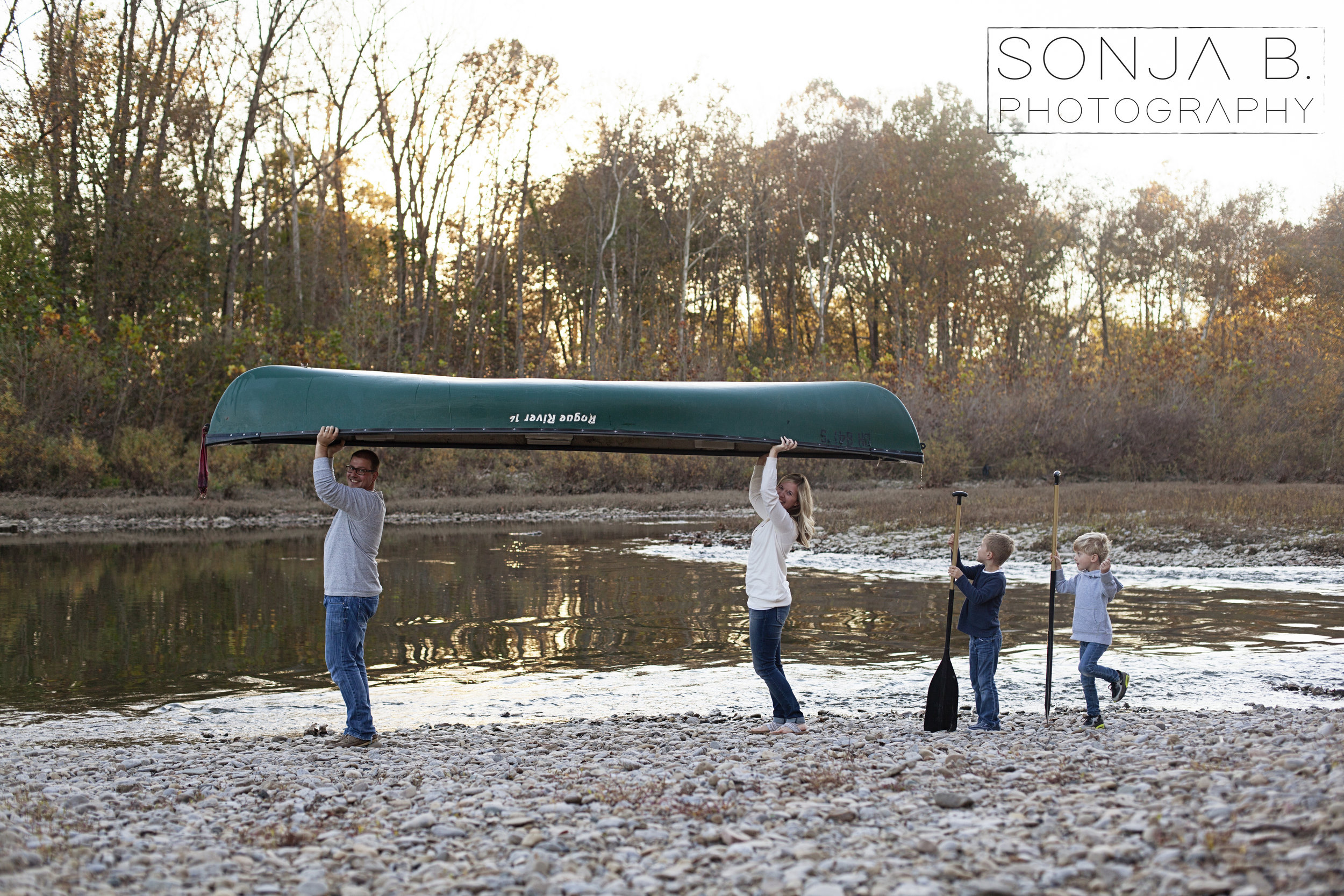 cincinnati family session canoe.jpg