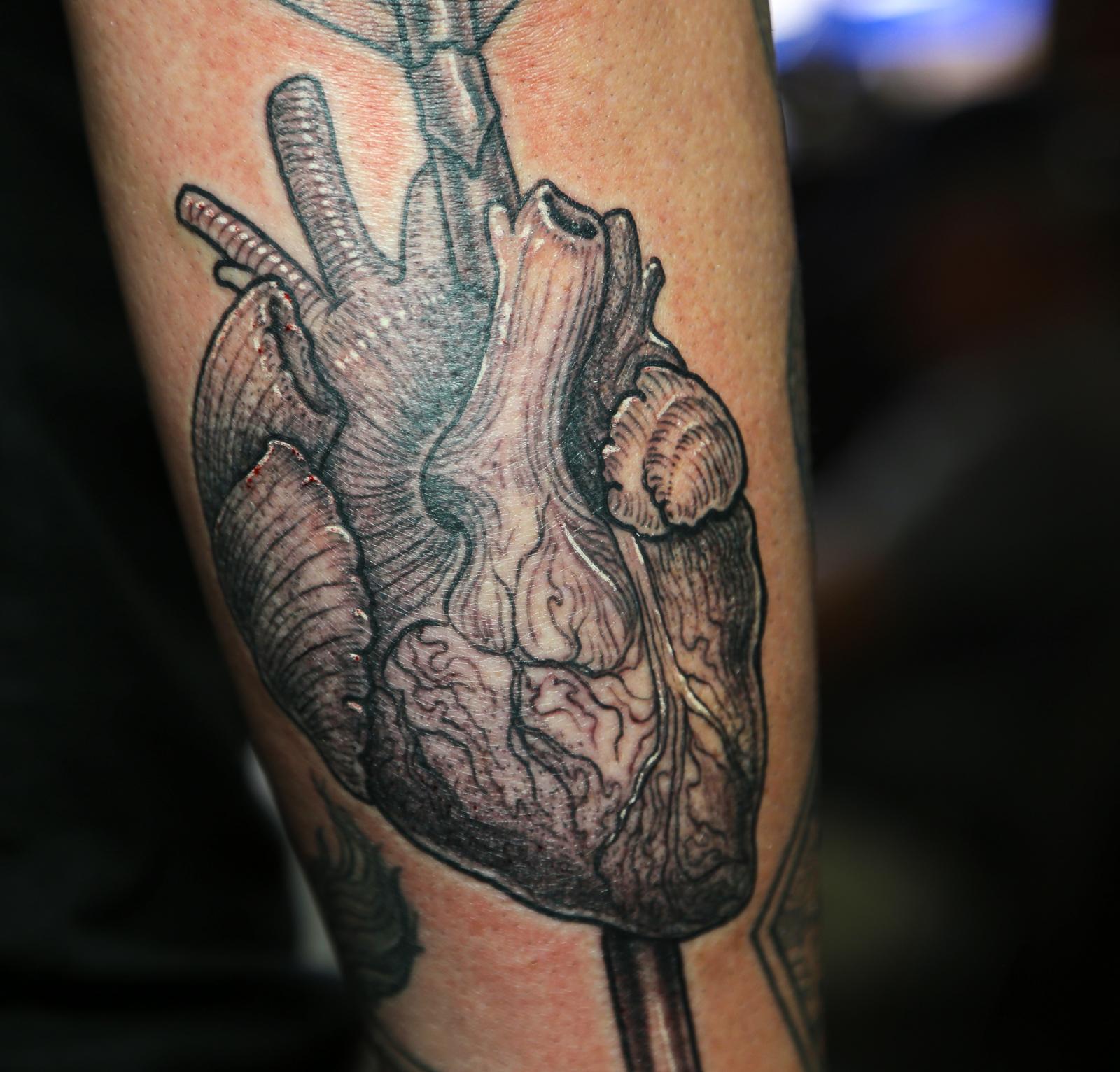 heart with arrow 2 enrique bernal ejay tattoo.jpg