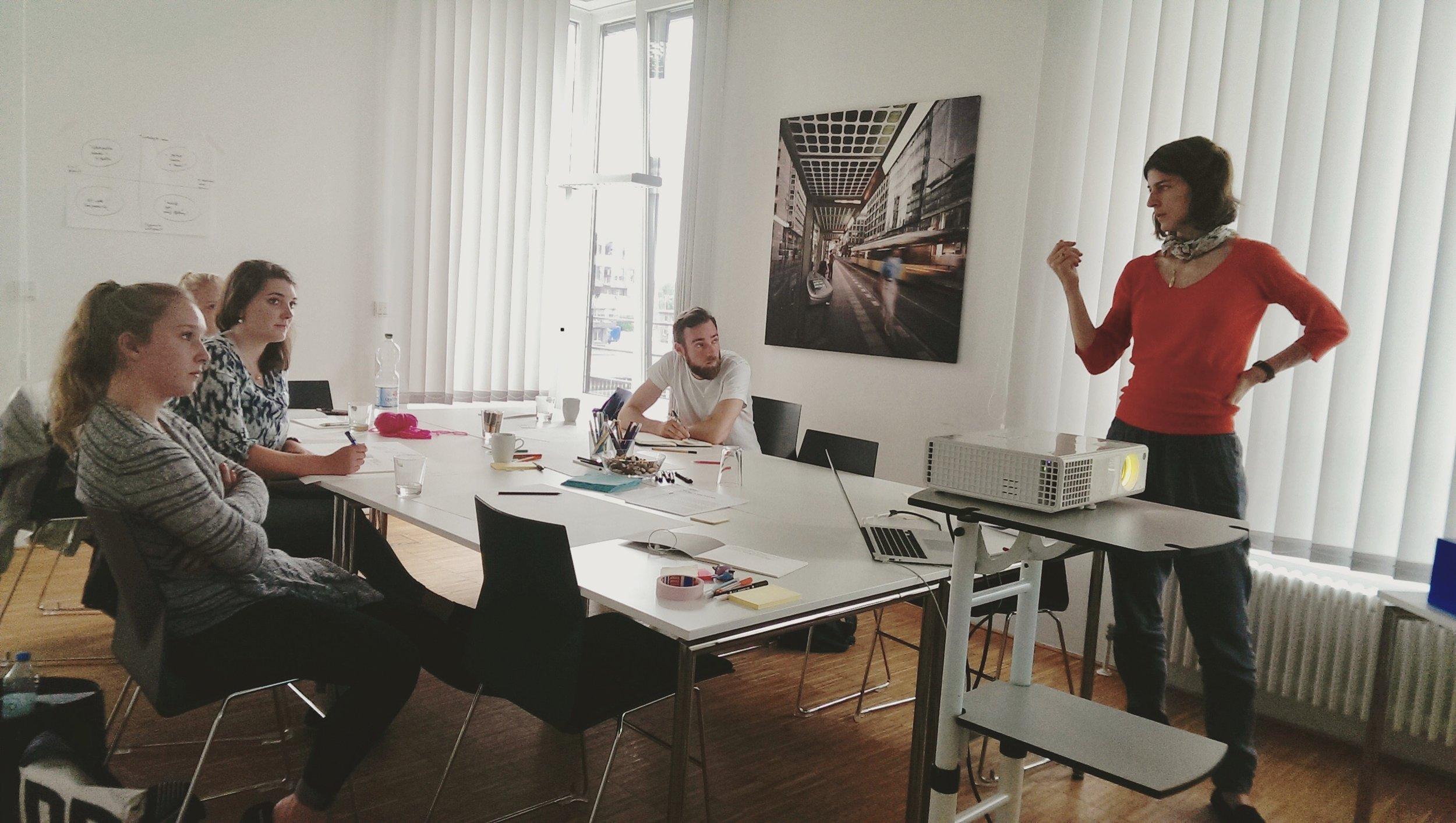 Design Your Career Workshop at Weserwork Co-Working in Bremen. Combining systemic therapy hacks (life line technique and narrative therapy) and tying it in with Design Thinking.