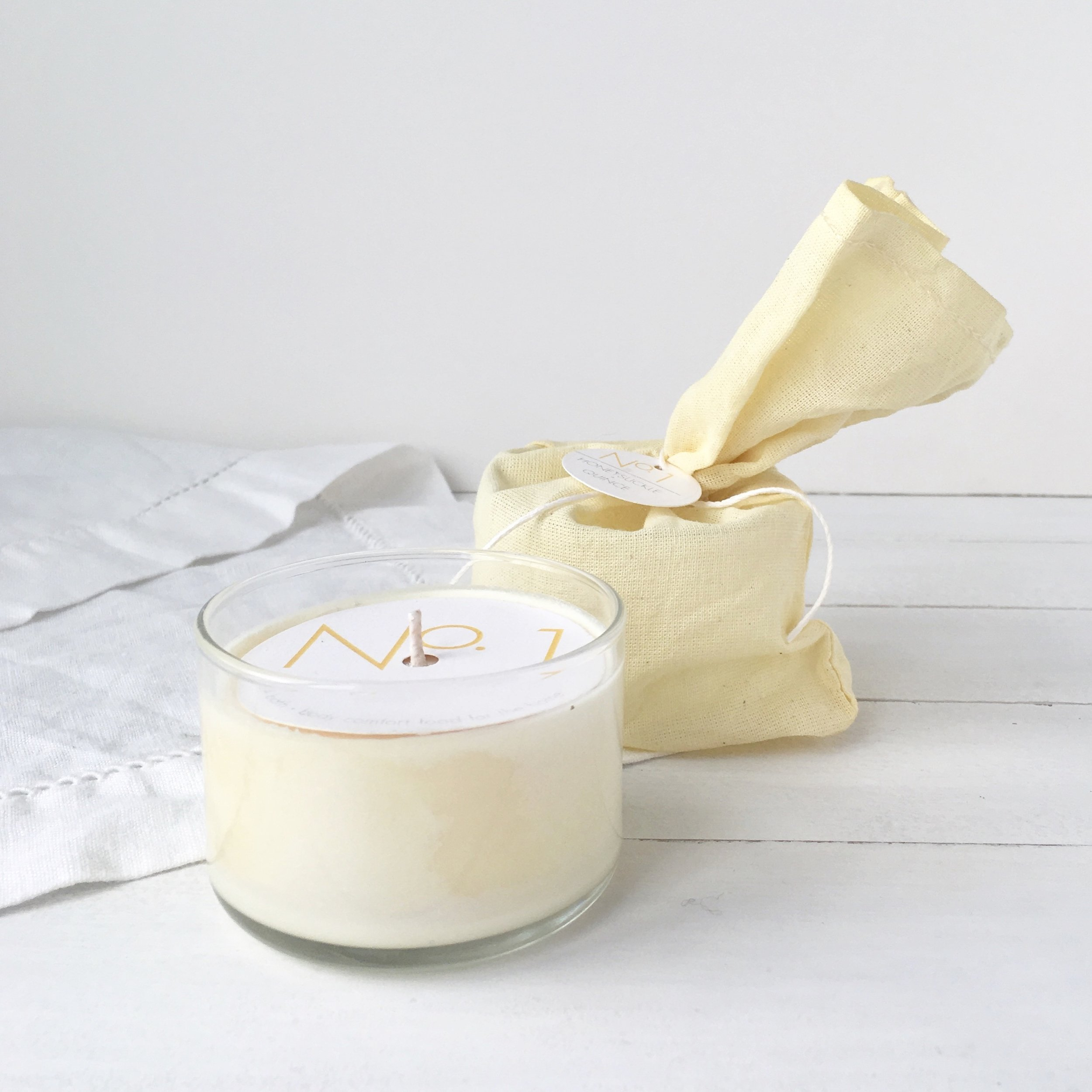 Mini Linen Candle Honeysuckle + Quince RICA bath + body