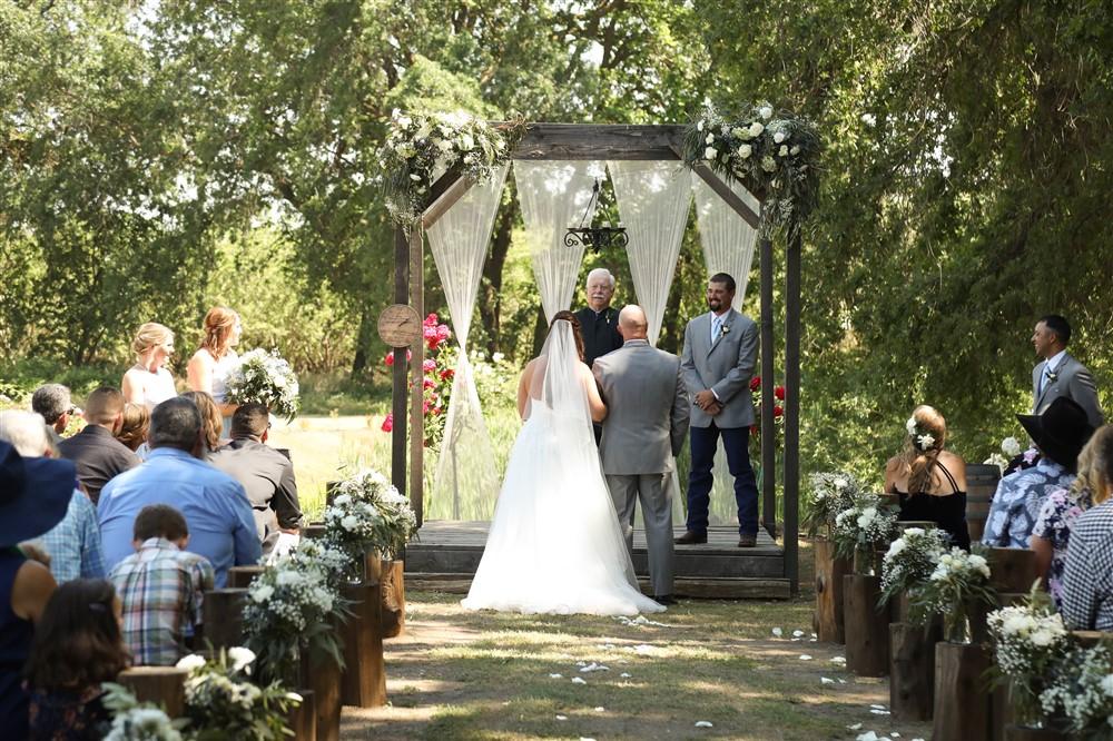 ceremonyflowers.jpg